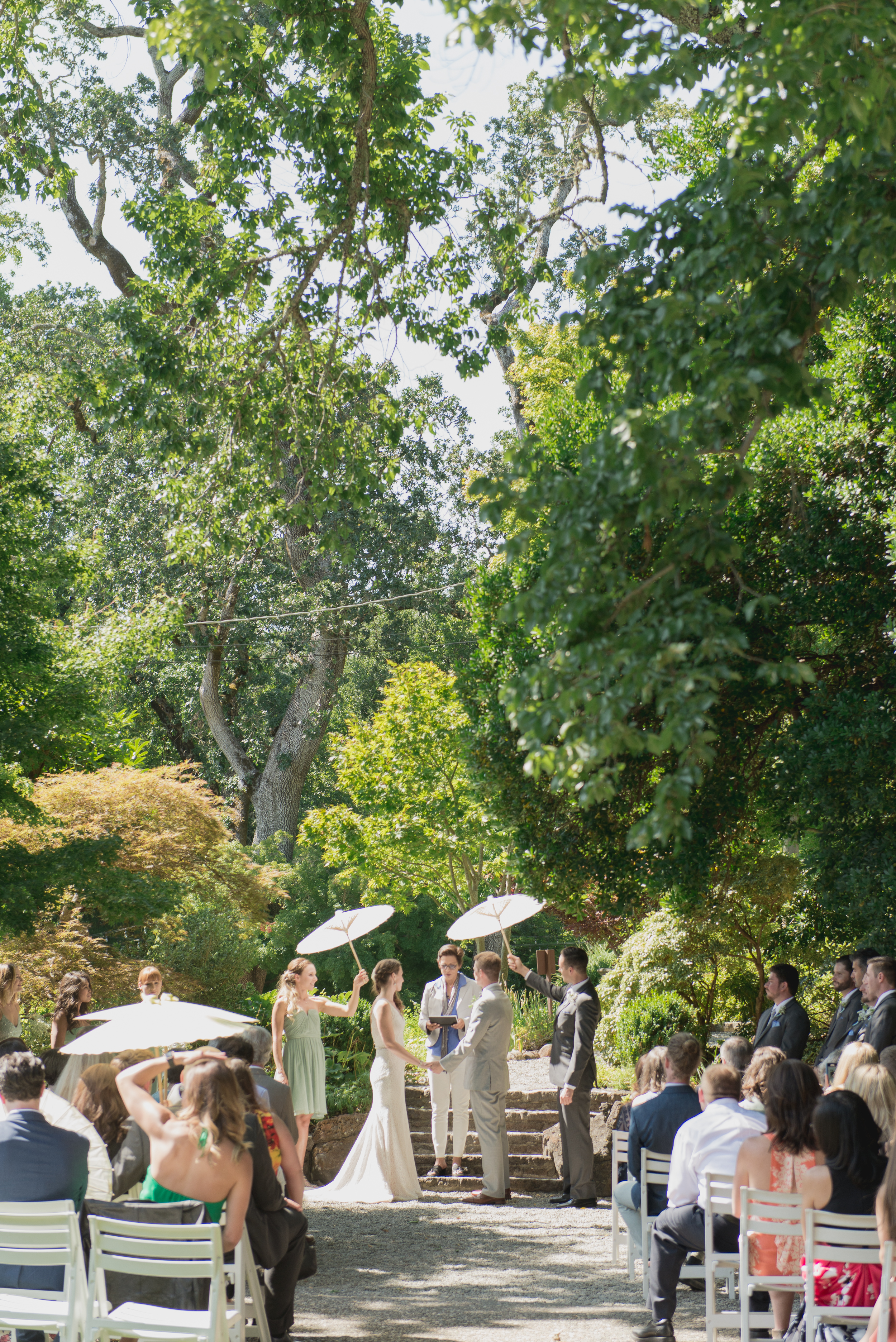 09-down-to-earth-marin-art-garden-center-wedding-vivianchen.jpg