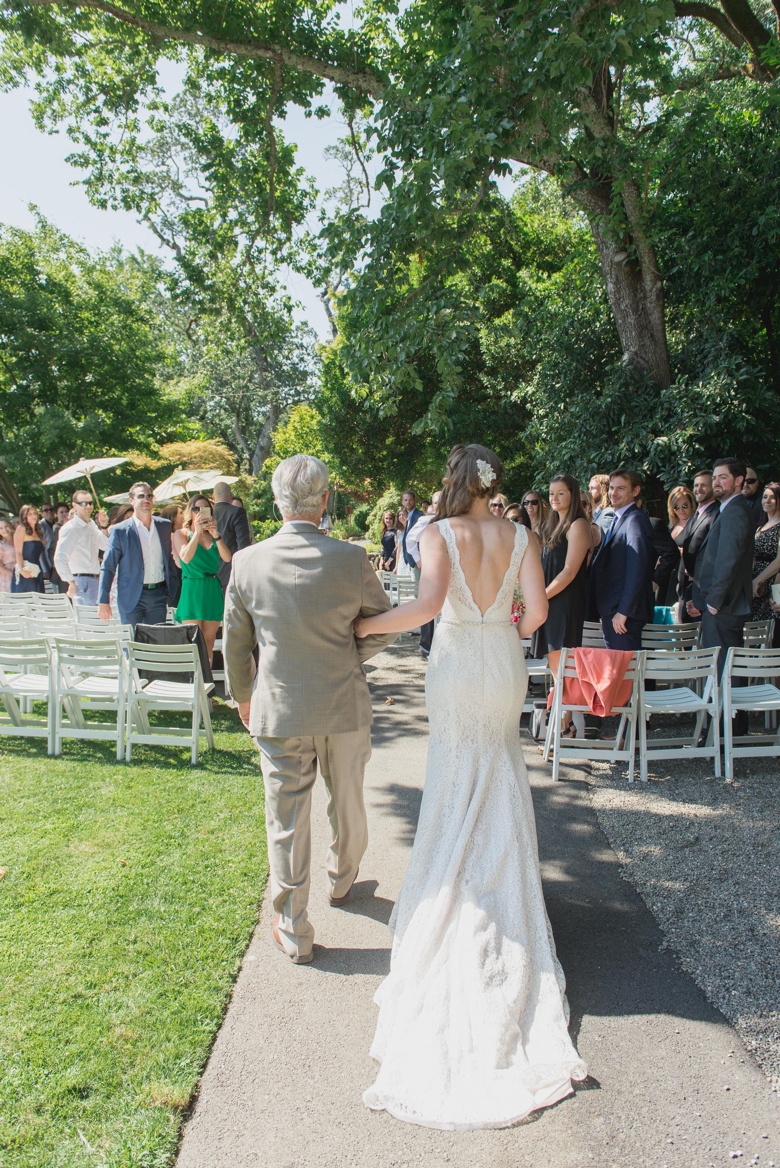 08-down-to-earth-marin-art-garden-center-wedding-vivianchen.jpg