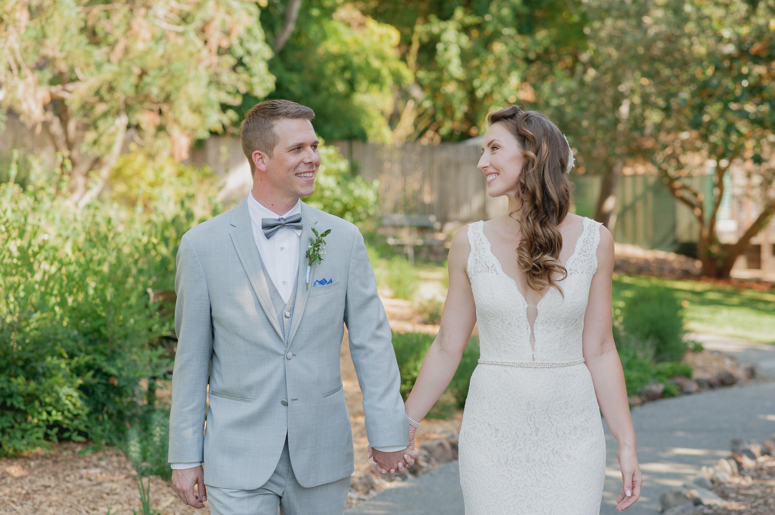 16-down-to-earth-marin-art-garden-center-wedding-vivianchen.jpg