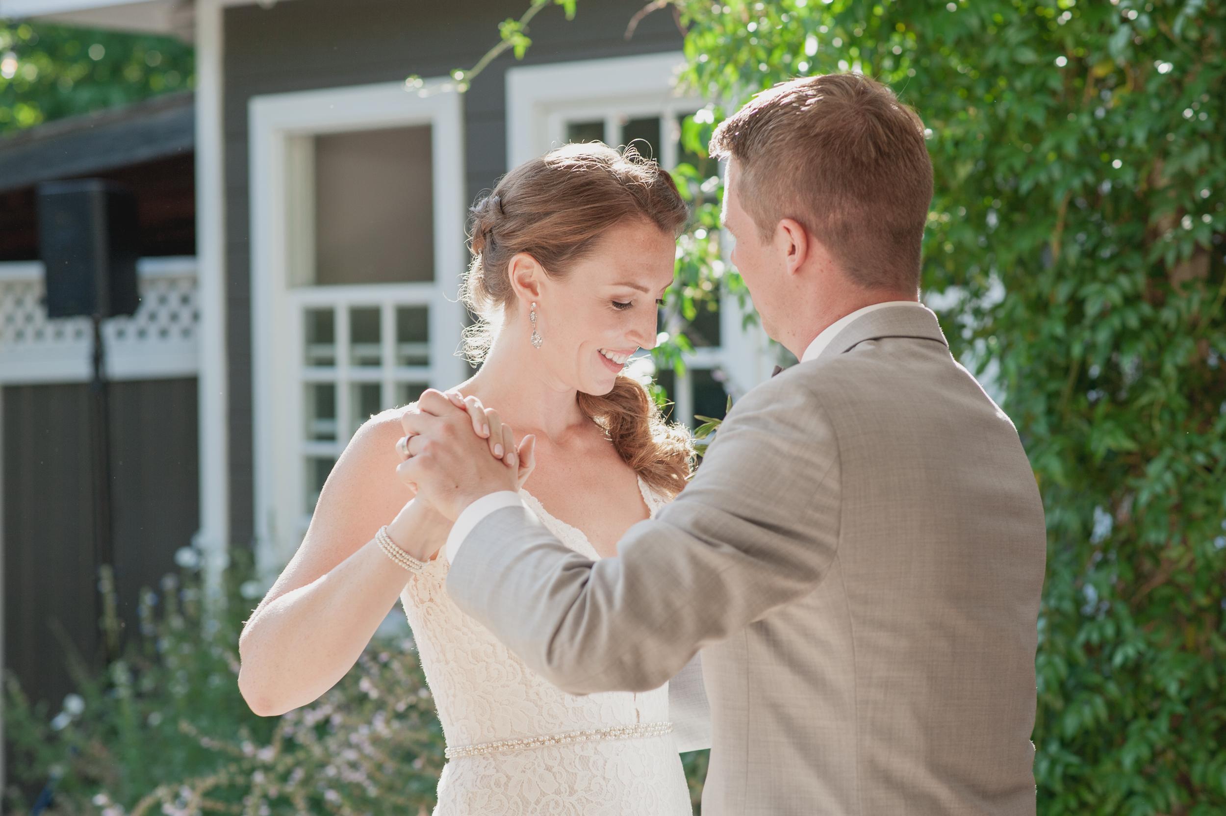 30-down-to-earth-marin-art-garden-center-wedding-vivianchen.jpg