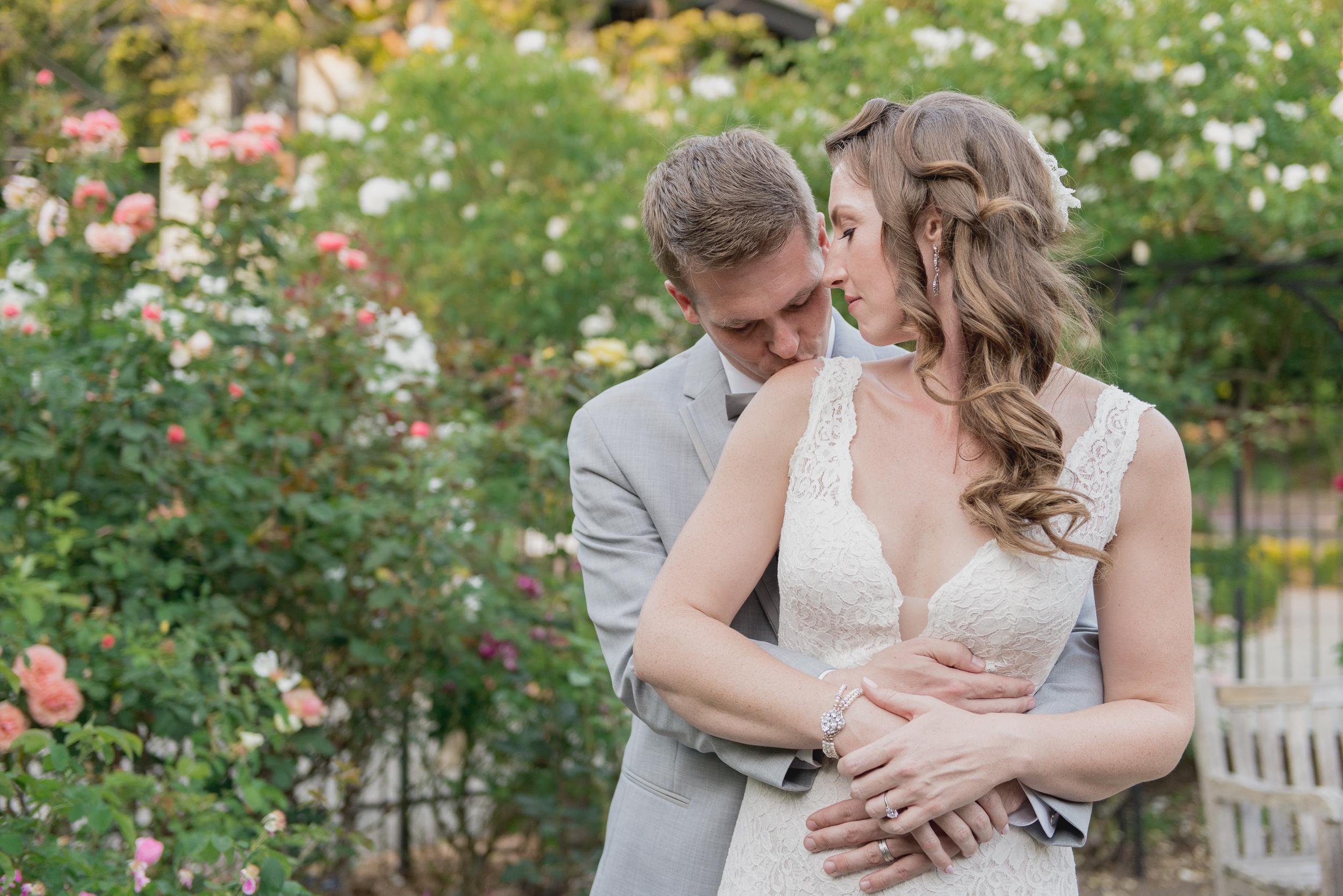 49-down-to-earth-marin-art-garden-center-wedding-vivianchen.jpg