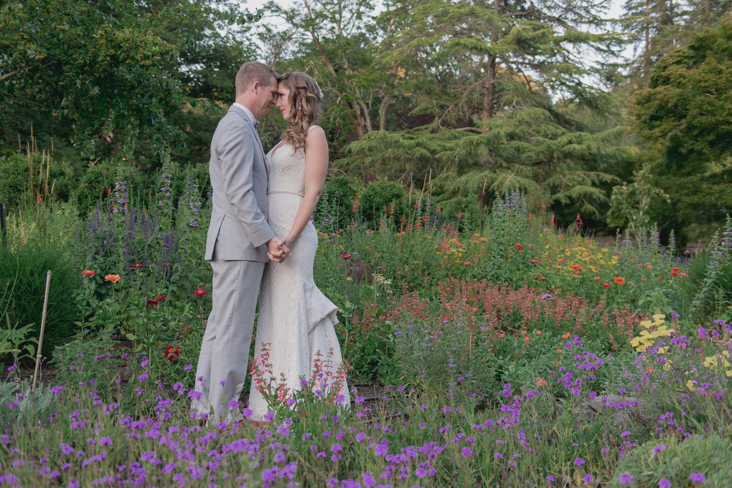 53-down-to-earth-marin-art-garden-center-wedding-vivianchen.jpg