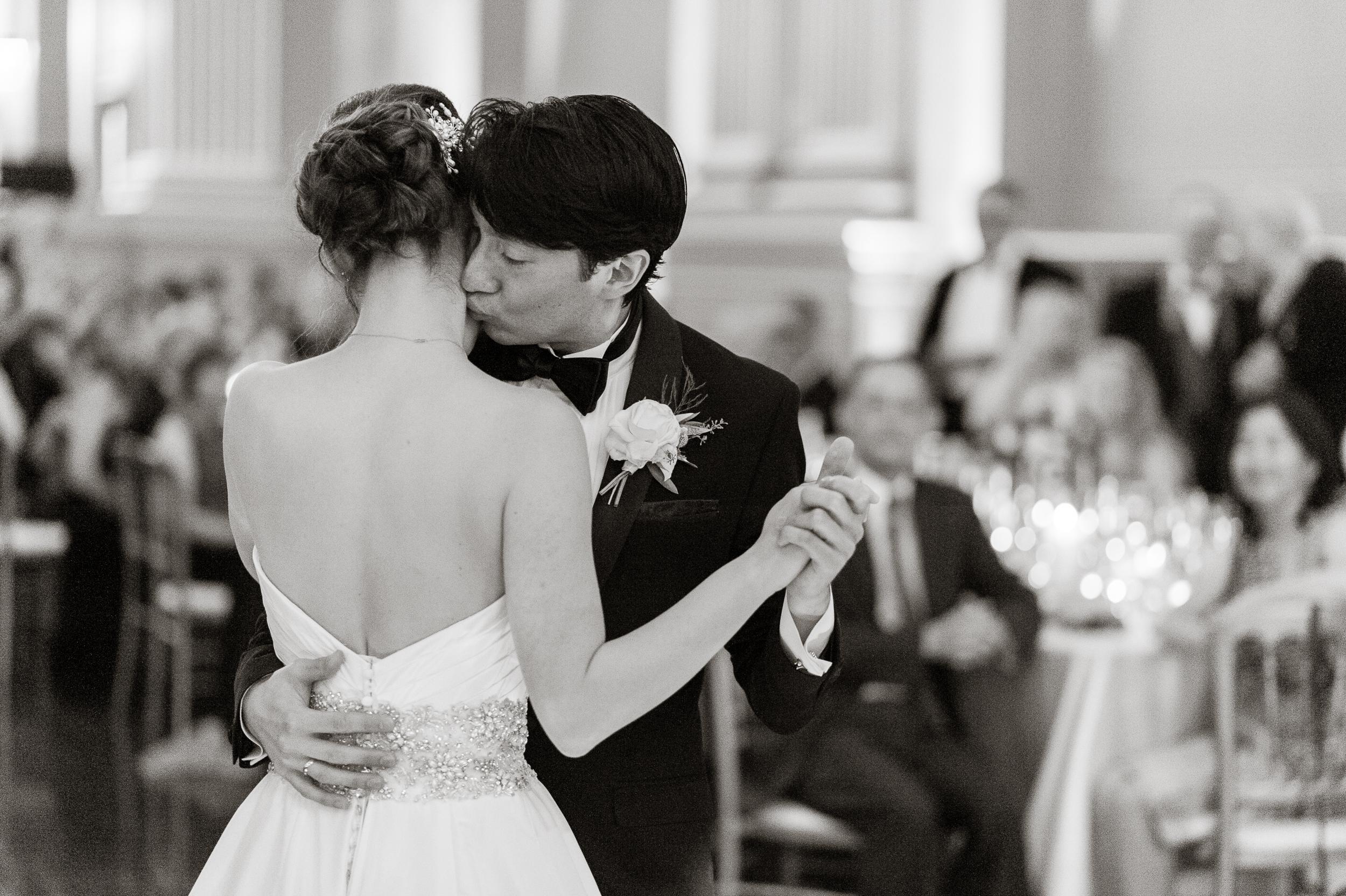 59san-francisco-green-room-wedding-photographer-vivianchen.jpg