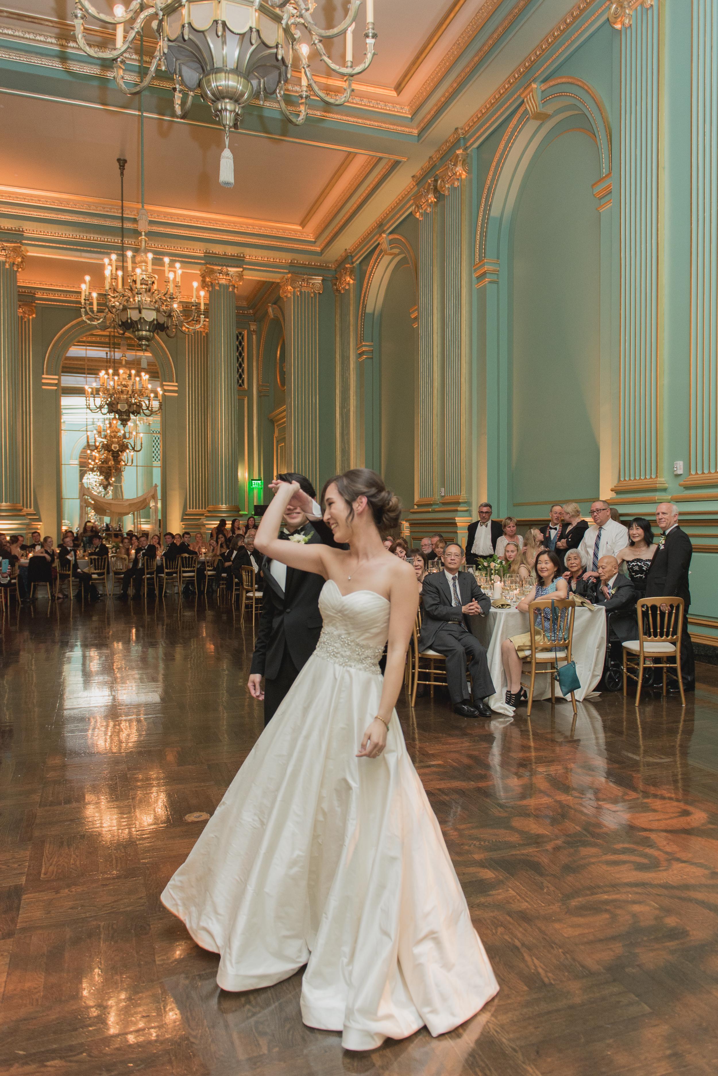 58san-francisco-green-room-wedding-photographer-vivianchen.jpg