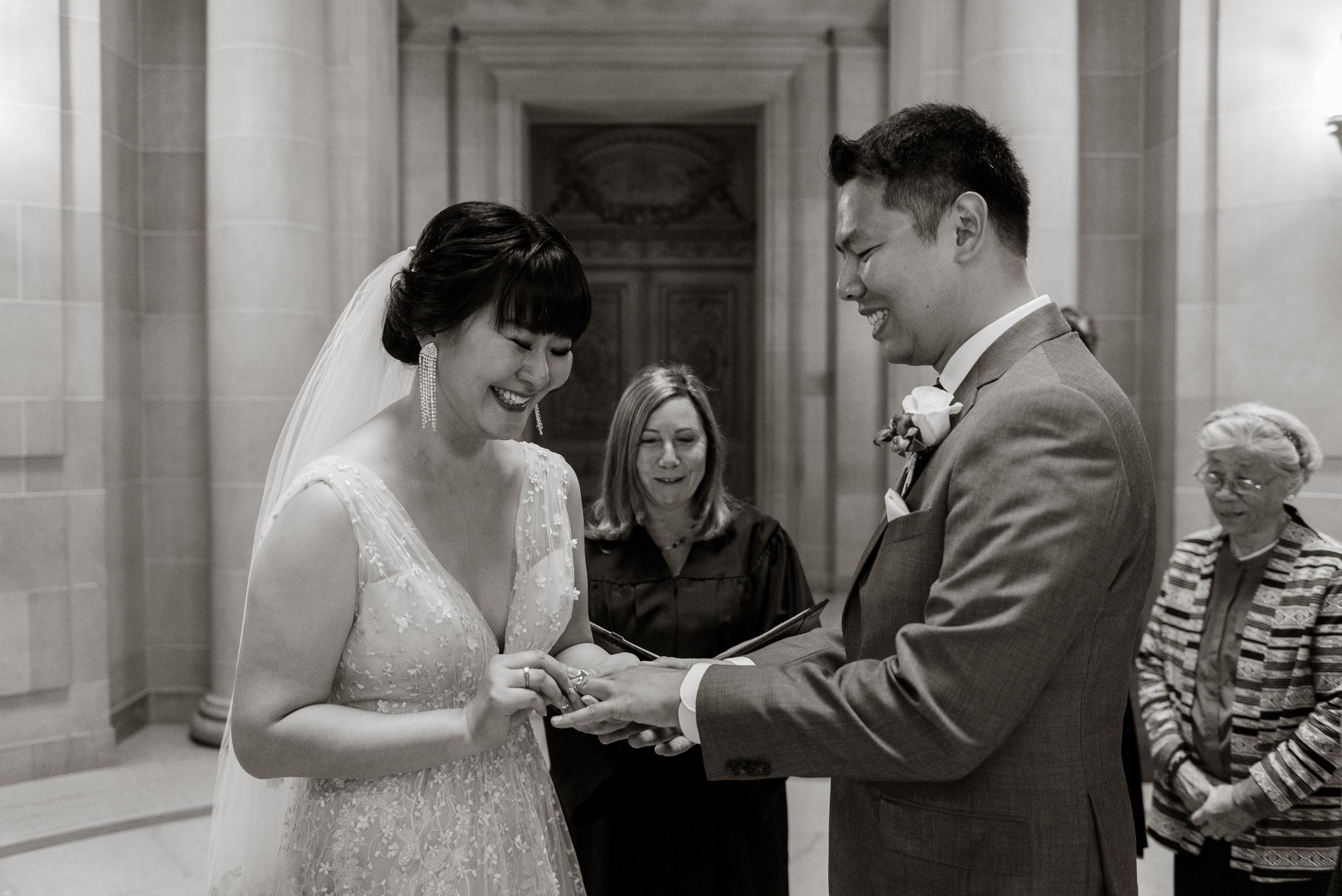 19-san-francisco-city-hall-elopement-photographer-vc.jpg