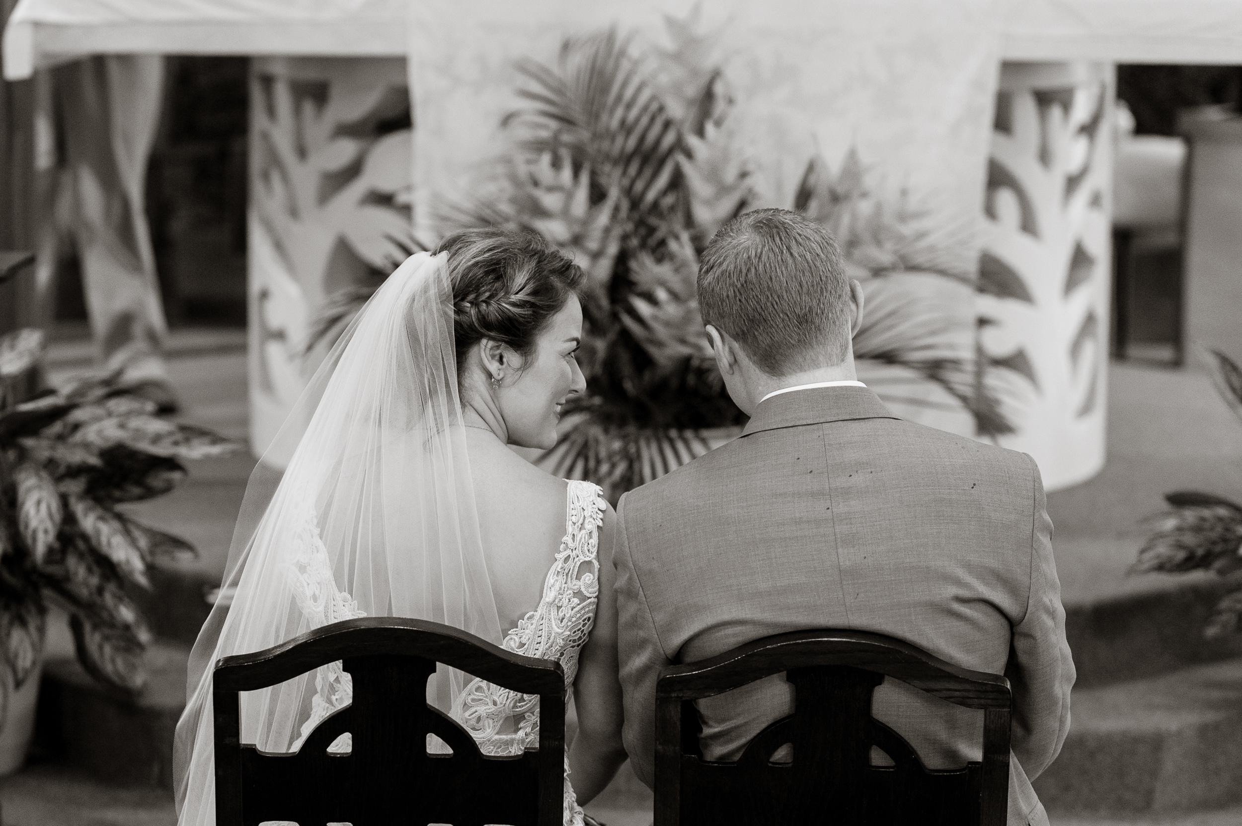 38-kauai-destination-wedding-photographer-vivianchen-0193.jpg