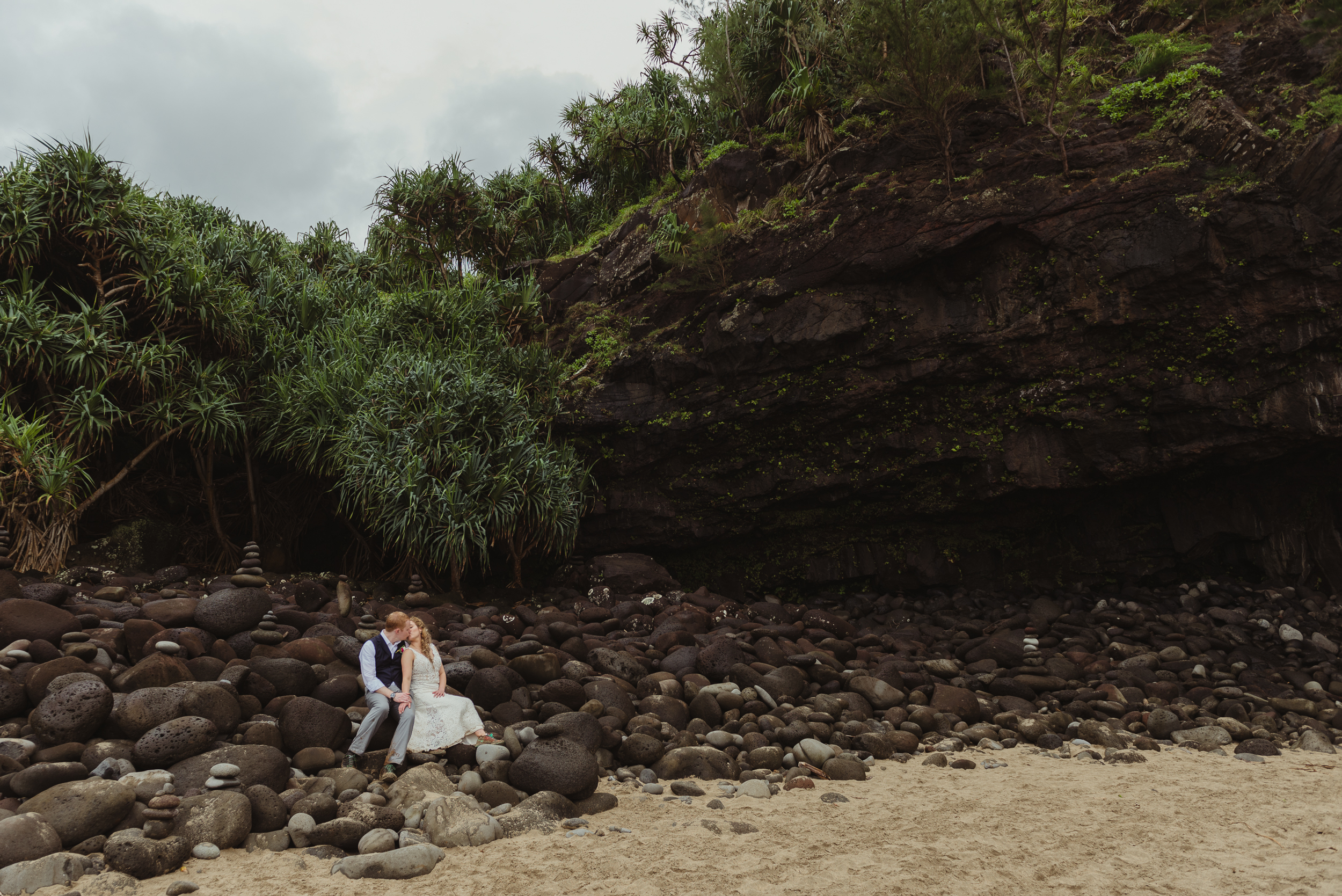 74-kauai-destination-wedding-photographer-vivianchen-0453.jpg