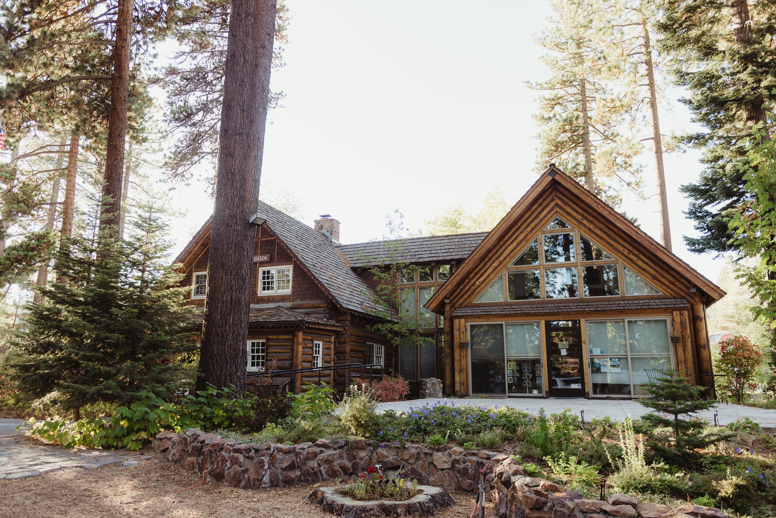 lake-tahoe-destination-wedding-vivianchen-17.jpg
