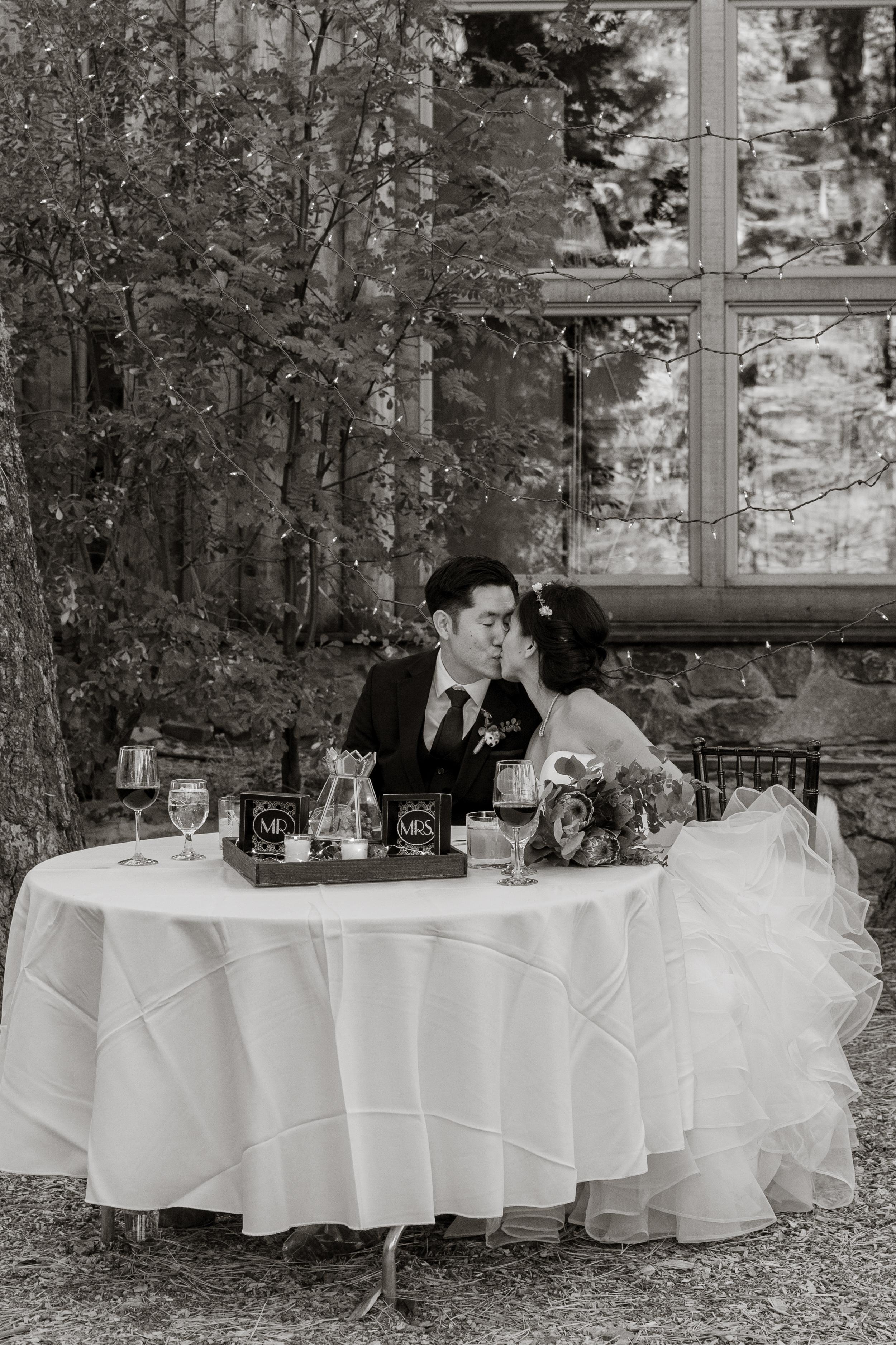 lake-tahoe-destination-wedding-vivianchen-43.jpg