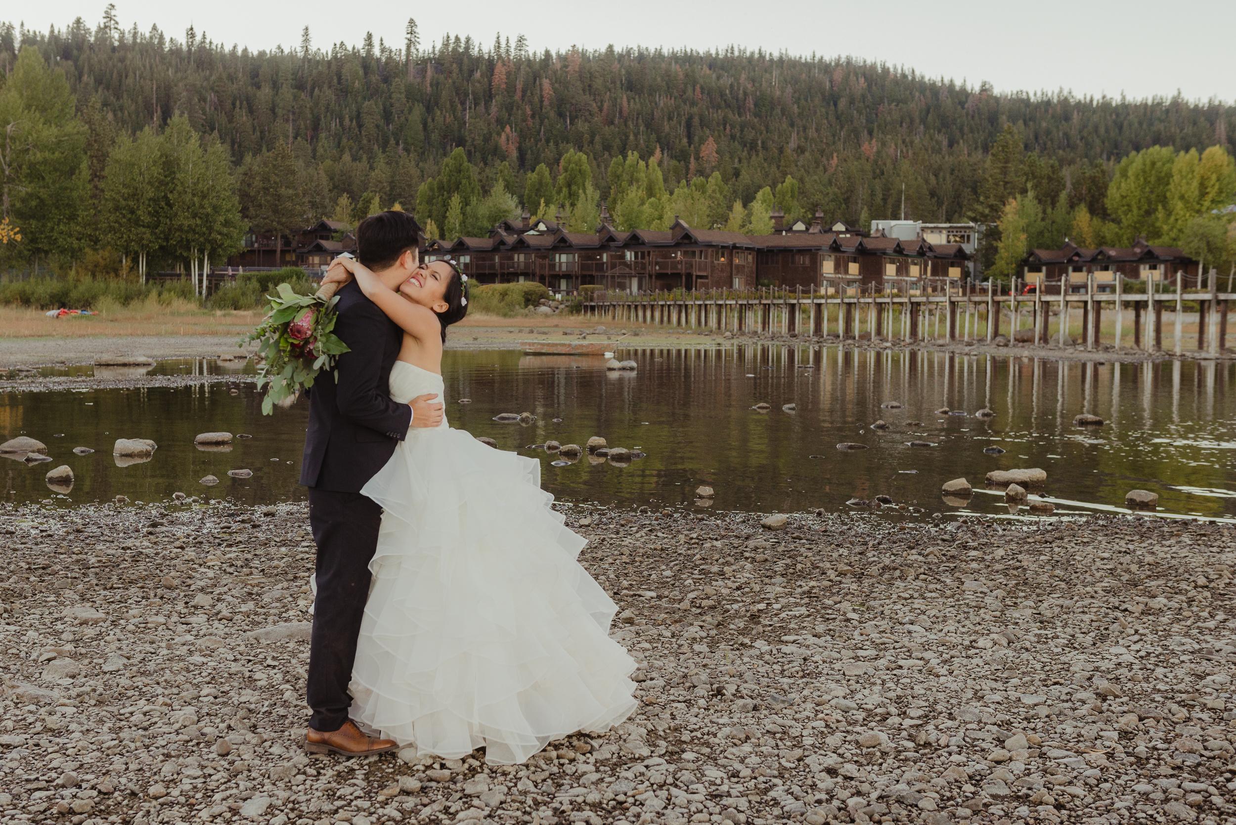 lake-tahoe-destination-wedding-vivianchen-72.jpg