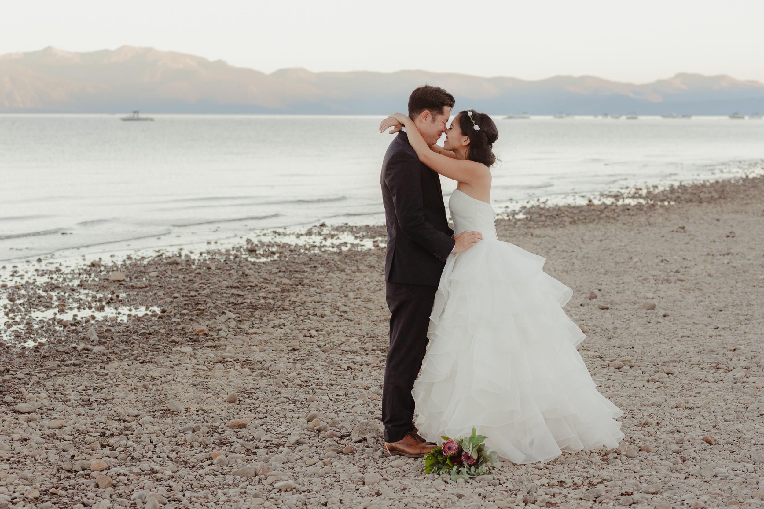 lake-tahoe-destination-wedding-vivianchen-74.jpg