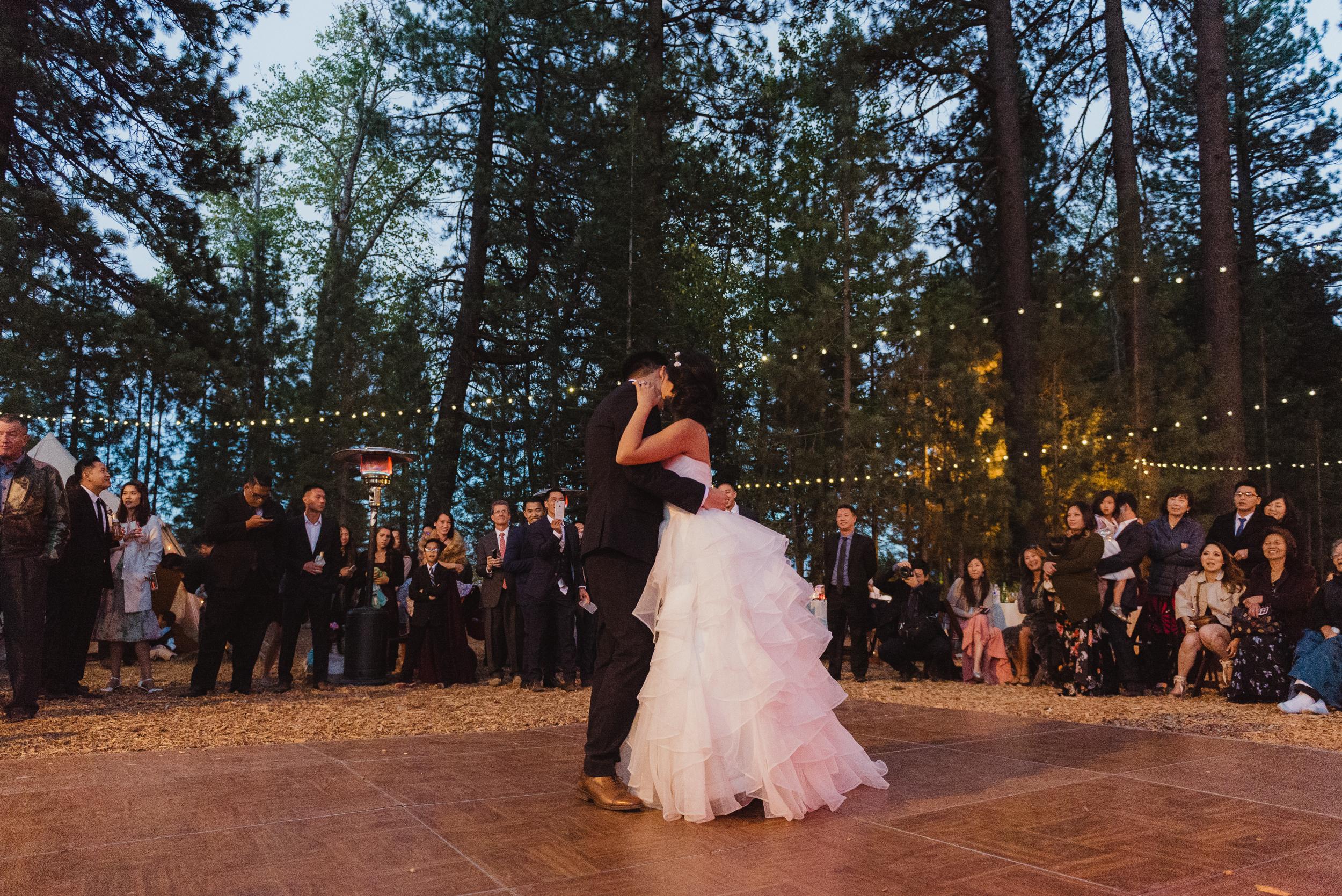 lake-tahoe-destination-wedding-vivianchen-81.jpg