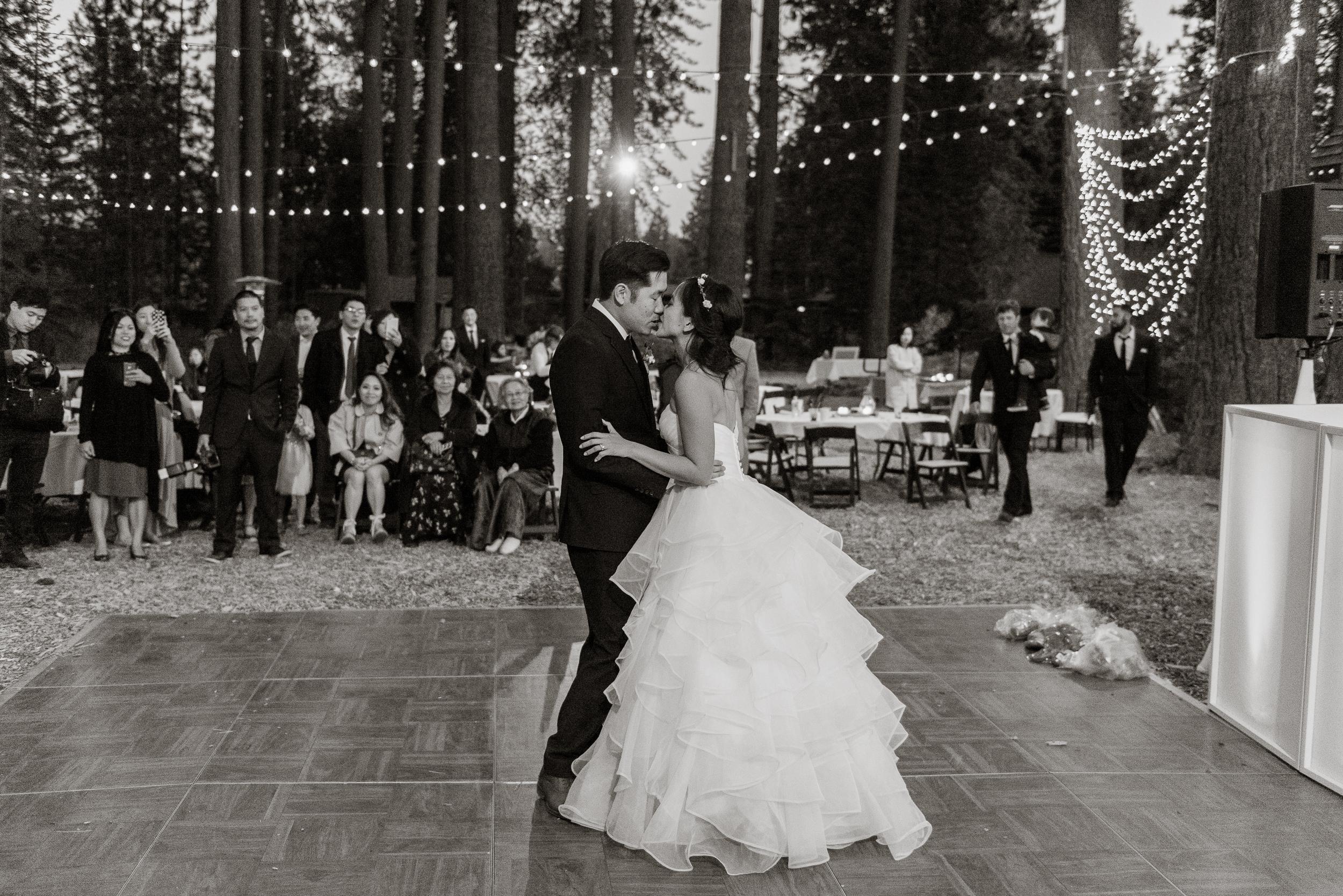 lake-tahoe-destination-wedding-vivianchen-85.jpg