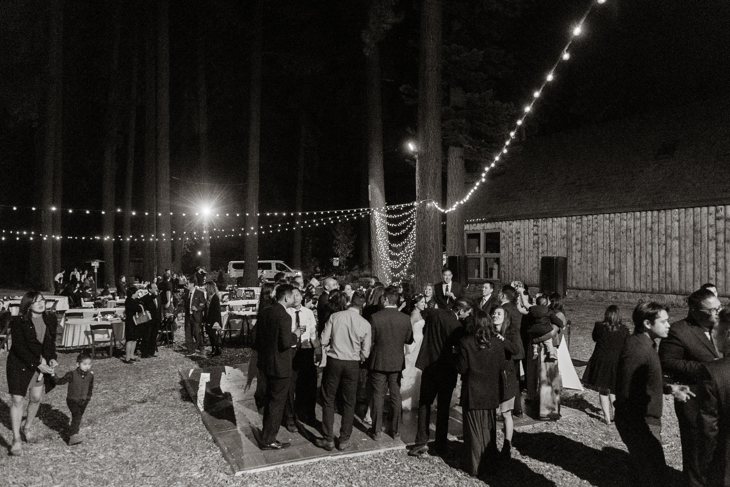 lake-tahoe-destination-wedding-vivianchen-92.jpg