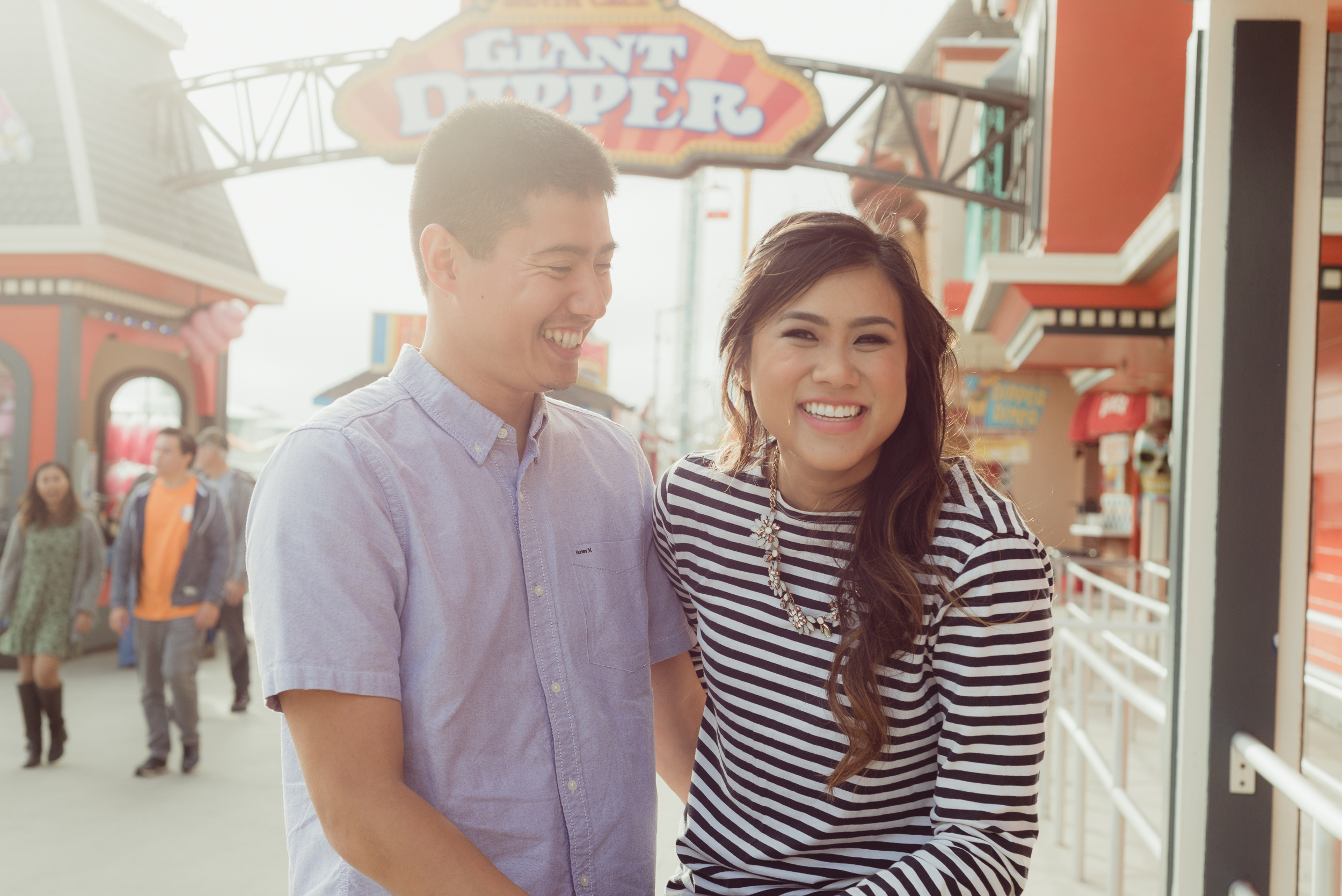 santa-cruz-boardwalk-beach-engagement-vivianchen-07.jpg