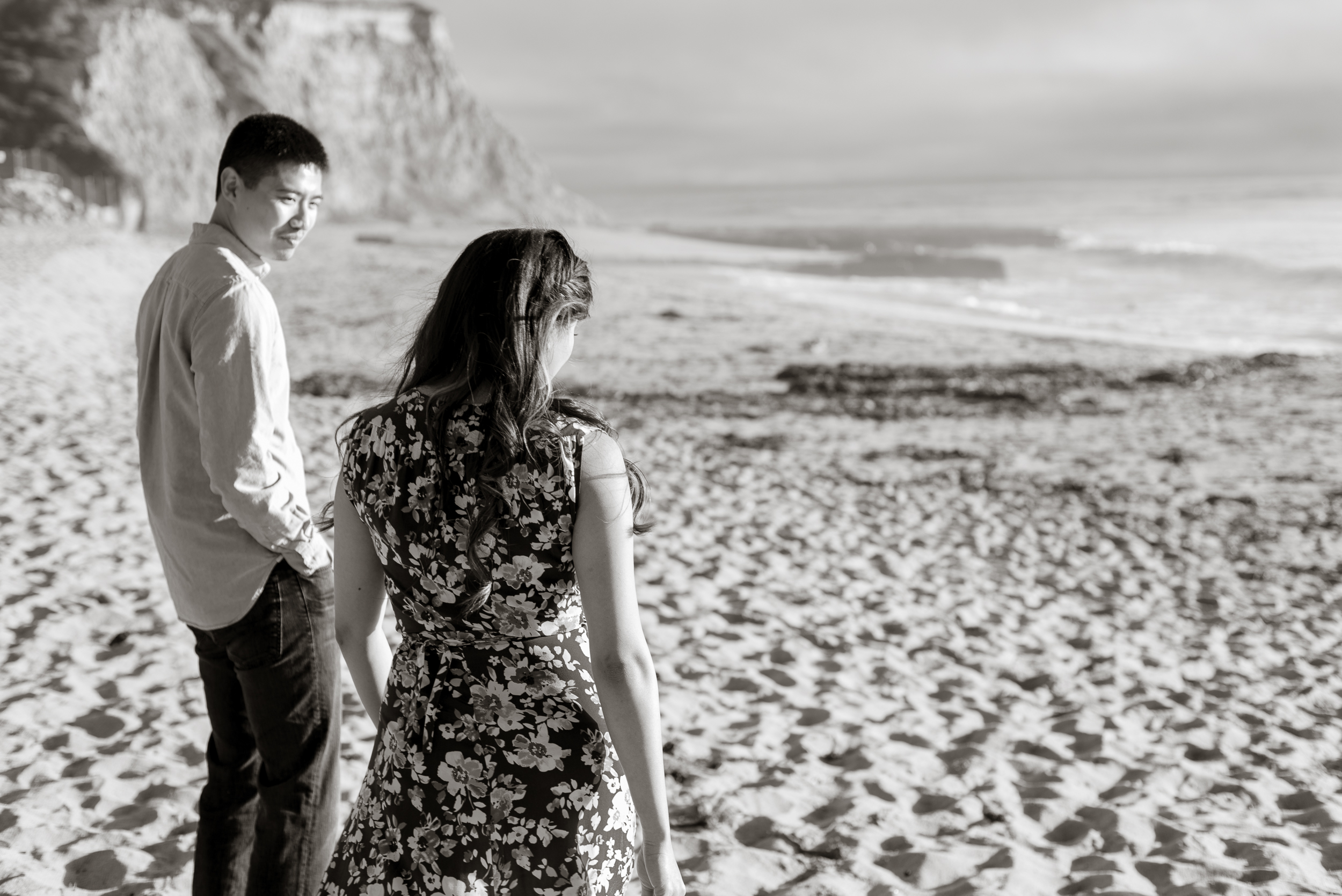 santa-cruz-boardwalk-beach-engagement-vivianchen-09.jpg