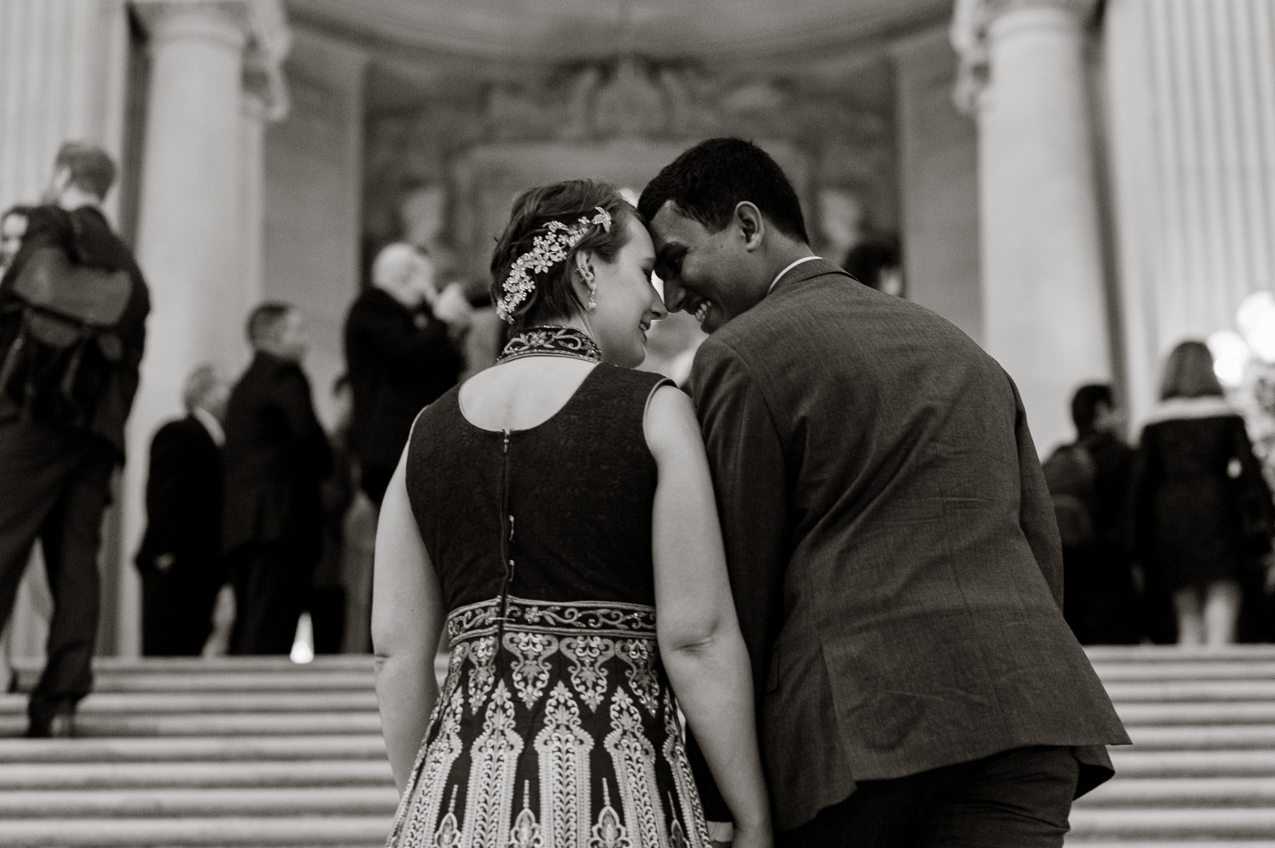 03-sf-city-hall-indian-wedding-elopement-vivianchen-097.jpg