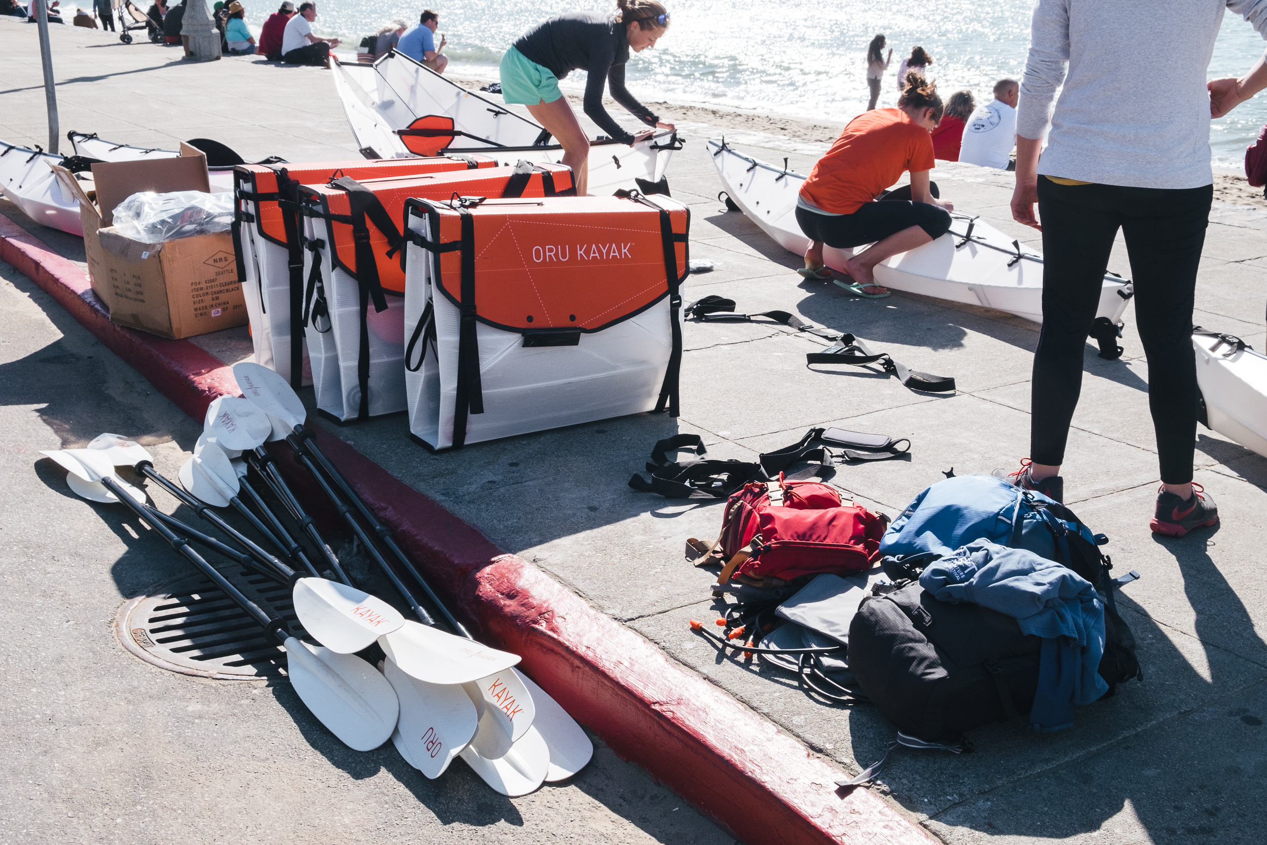 Unfolding and assembling our kayaks.