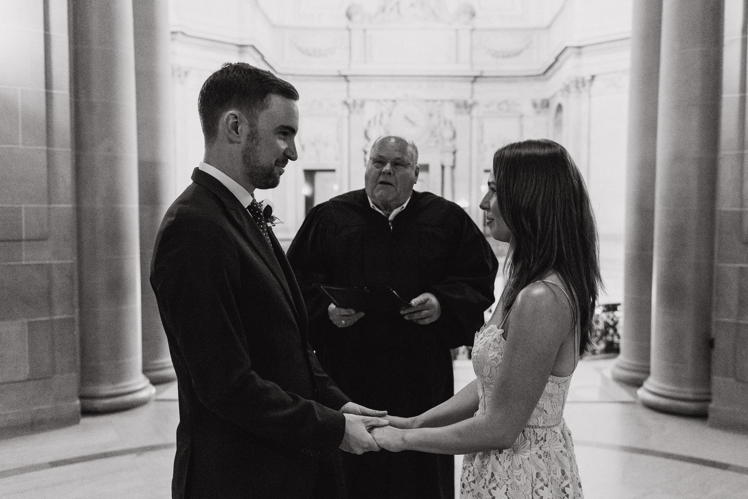 08-international-sf-city-hall-elopement-lauradavid-vivianchen-059.jpg