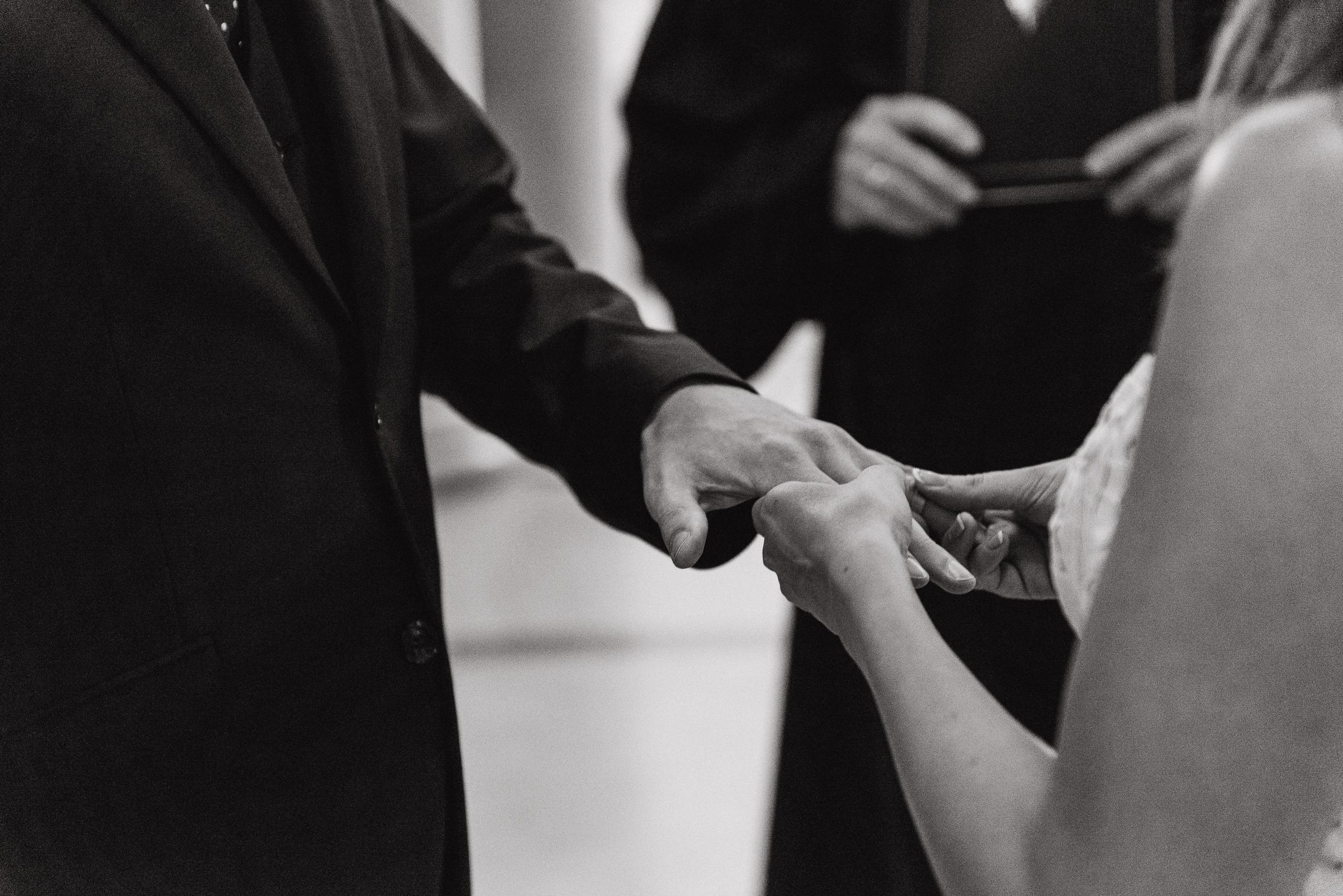 09-international-sf-city-hall-elopement-lauradavid-vivianchen-070.jpg