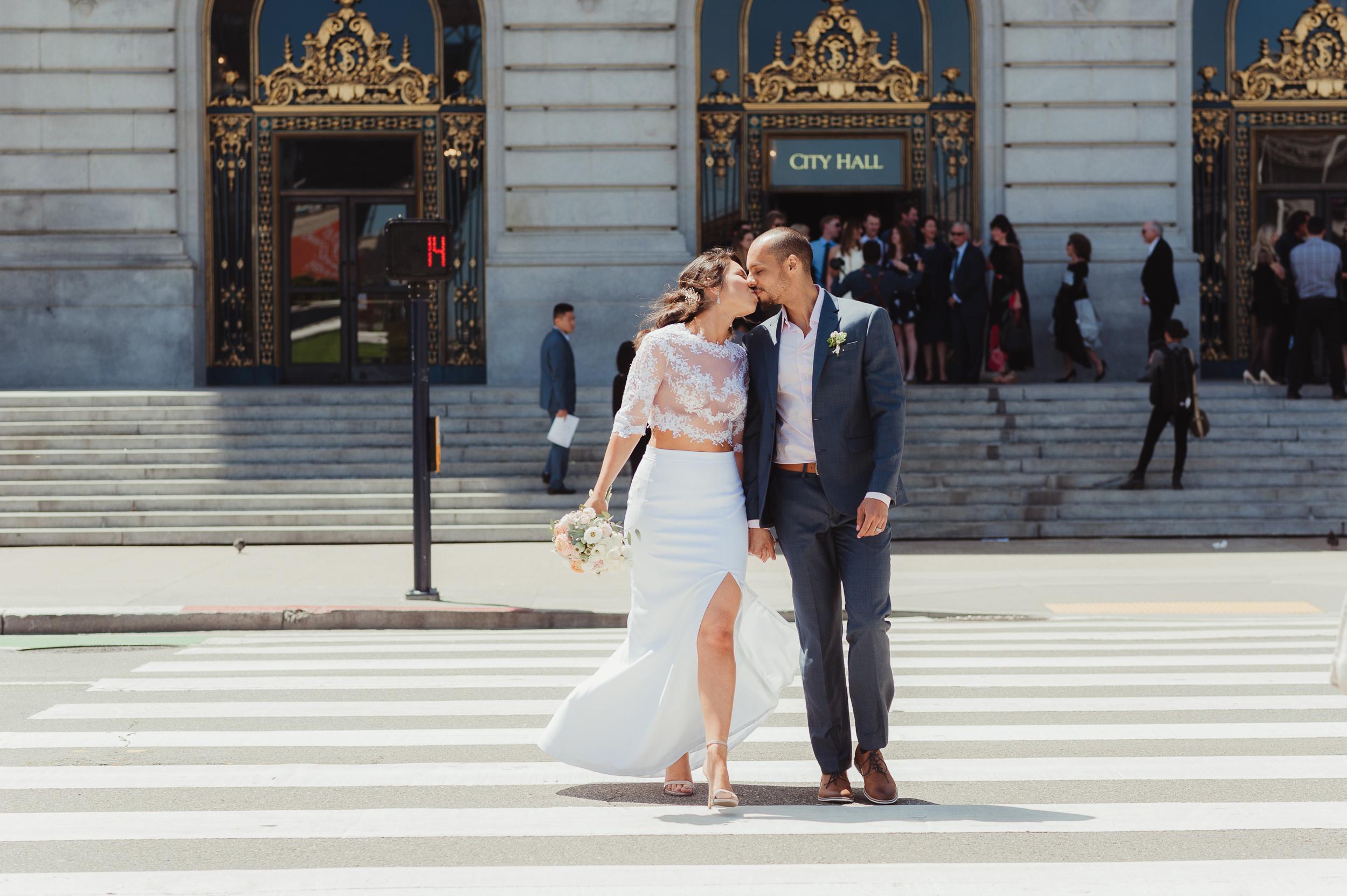 25-sf-city-hall-elopement-aymemax-vivianchen-251.jpg