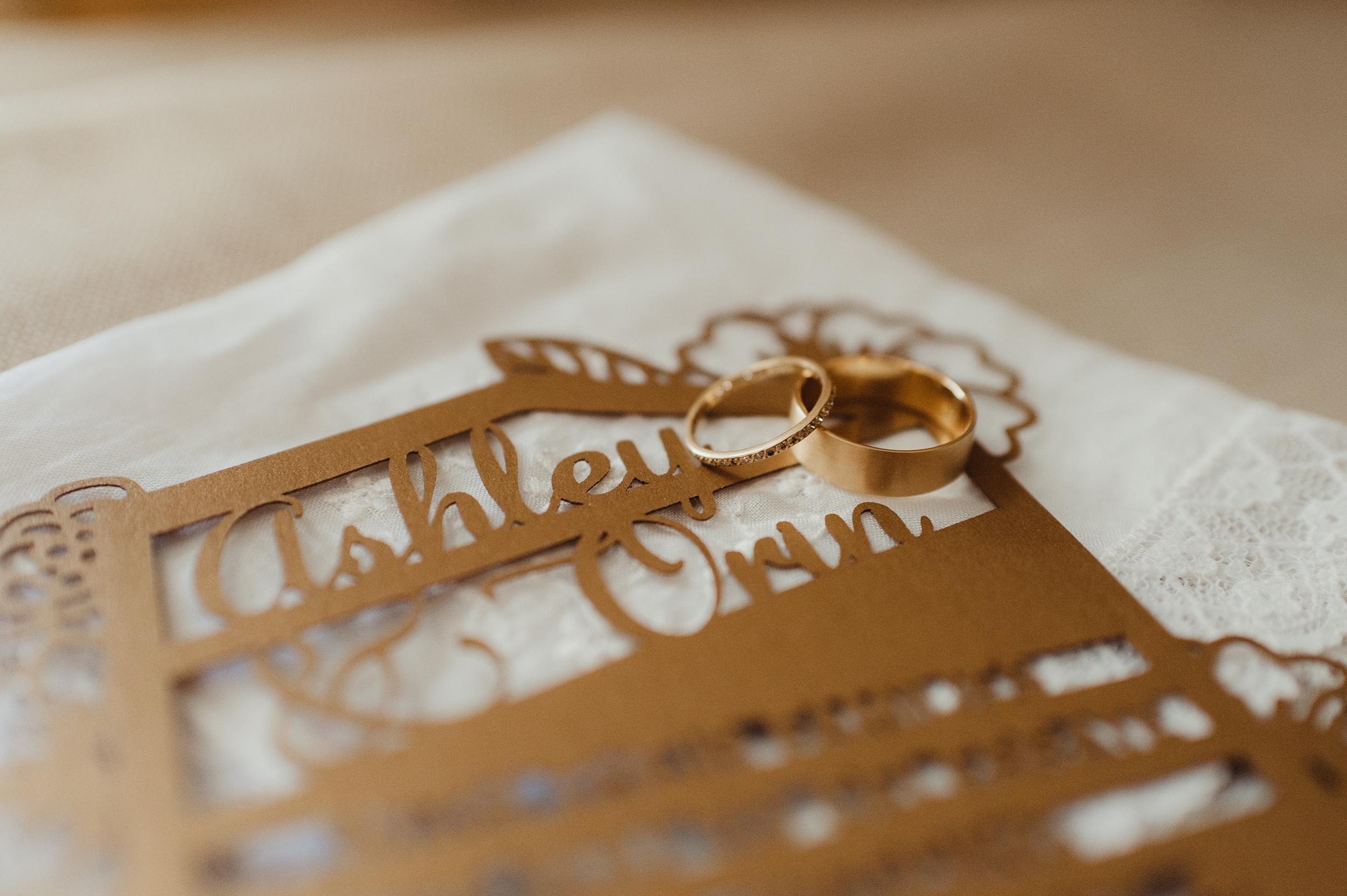 11-12-joshua-tree-ace-hotel-wedding-vivianchen-022.jpg