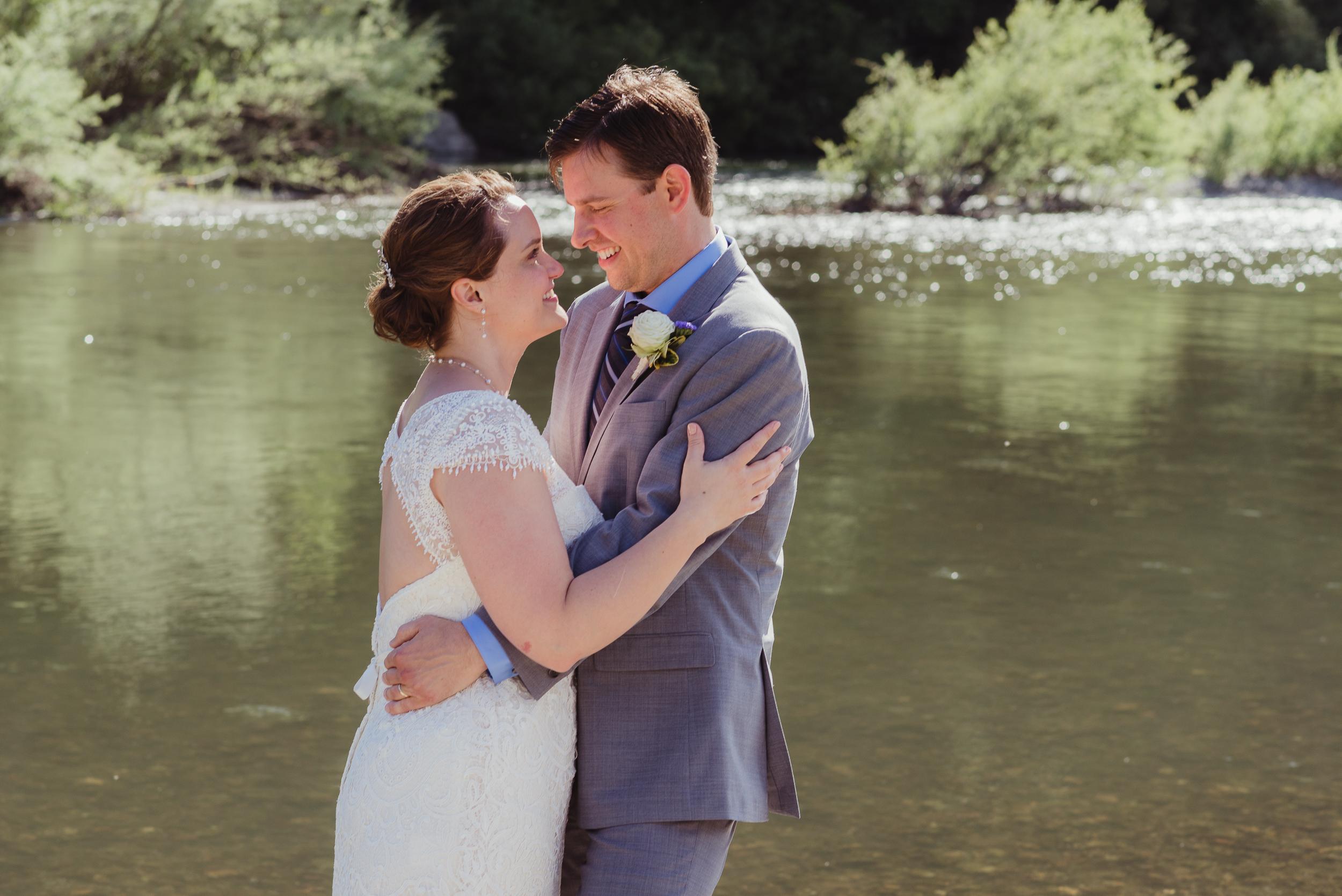057-highland-dell-lodge-russian-river-wedding-vivianchen-400.jpg