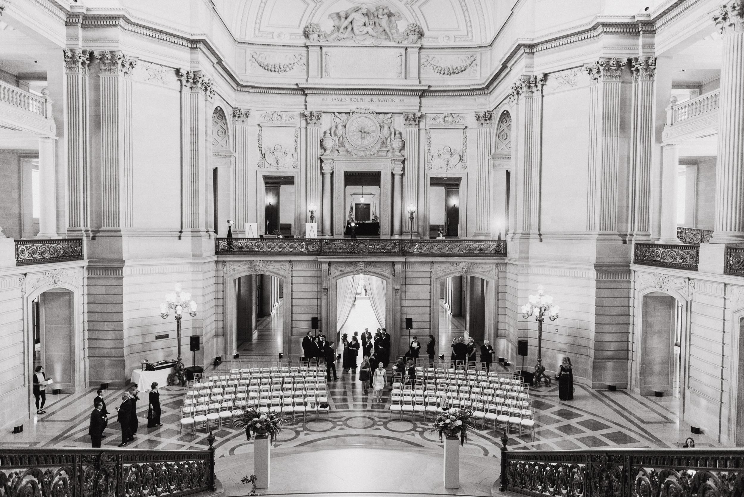 31-elegant-san-francisco-city-hall-wedding-vivianchen-0302.jpg