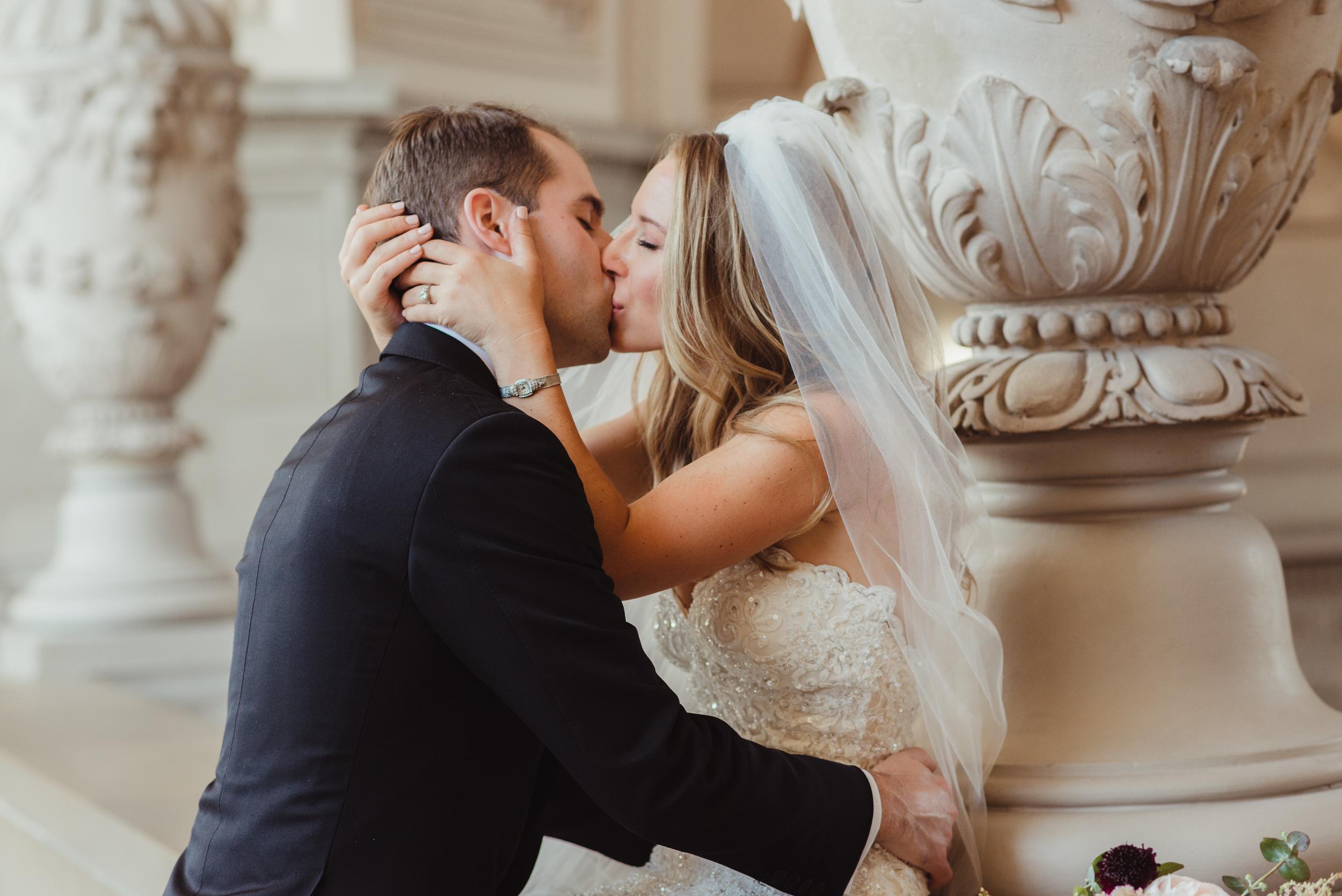 48-elegant-san-francisco-city-hall-wedding-vivianchen-0677.jpg