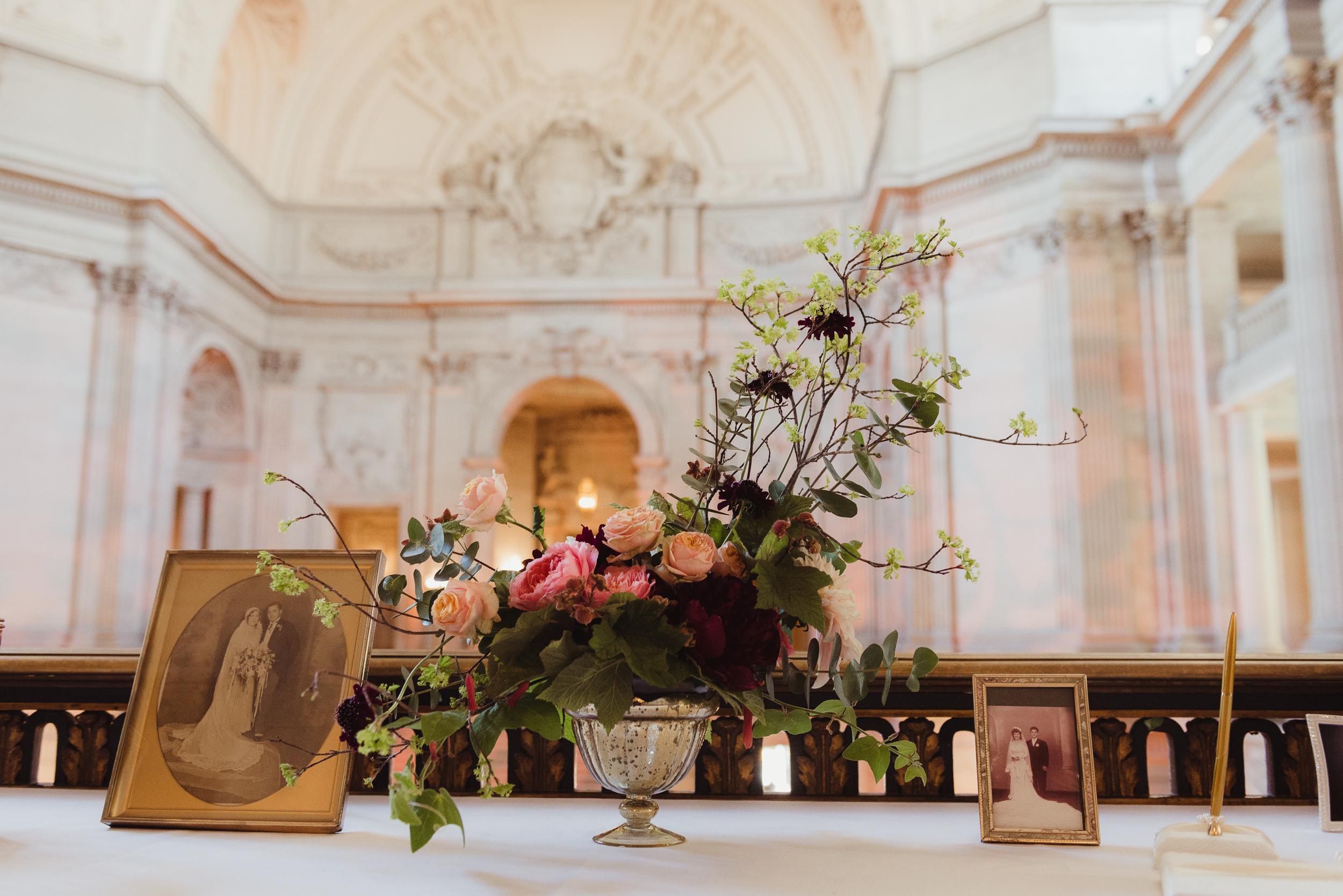 54-elegant-san-francisco-city-hall-wedding-vivianchen-0049.jpg