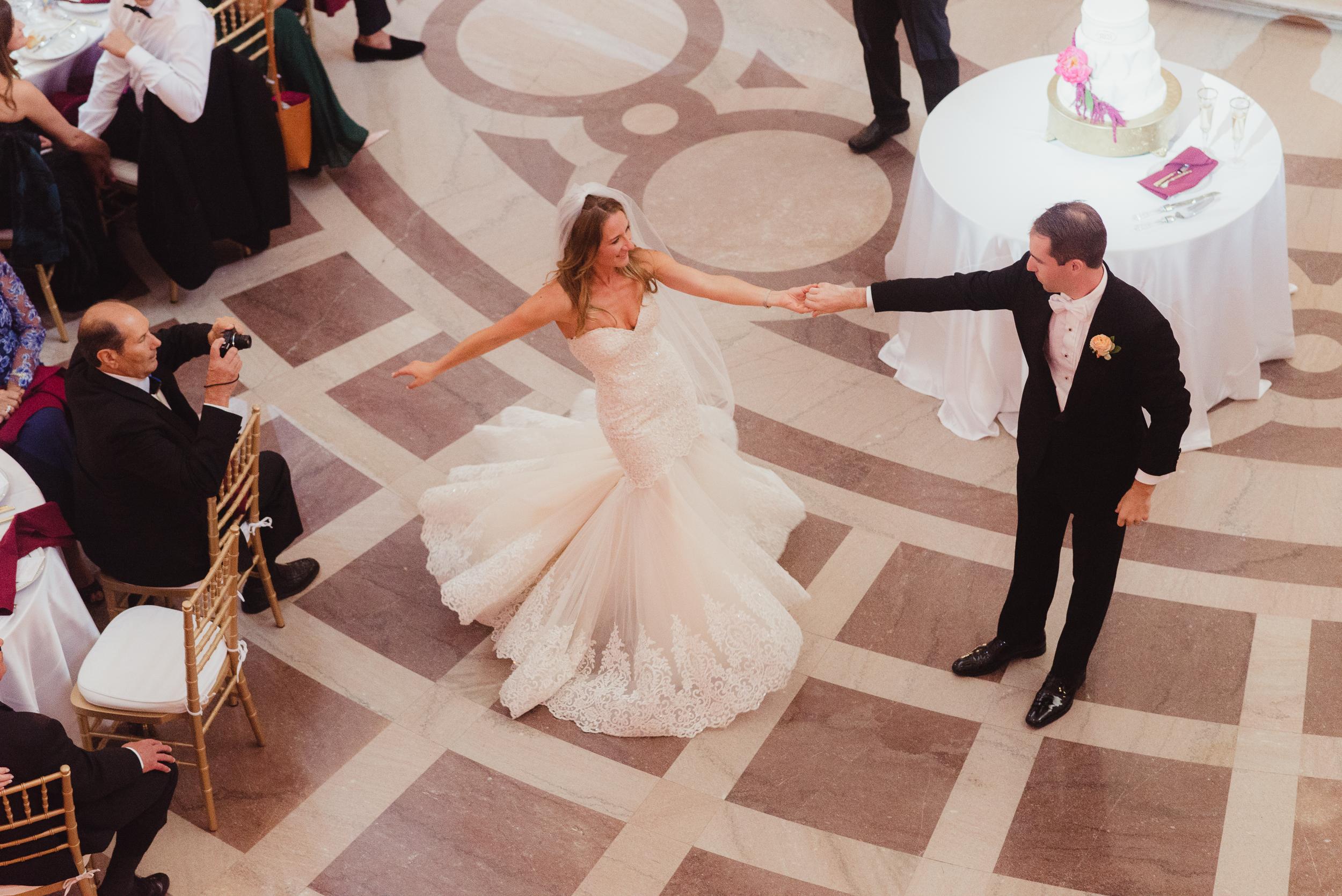77-elegant-san-francisco-city-hall-wedding-vivianchen-0863.jpg
