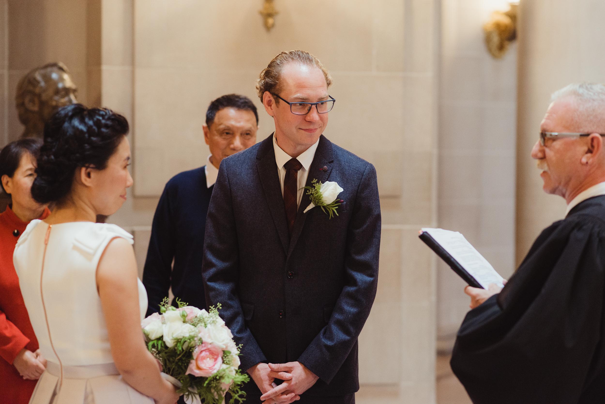 10-sf-city-hall-18-reasons-intimate-wedding-vivianchen-135.jpg