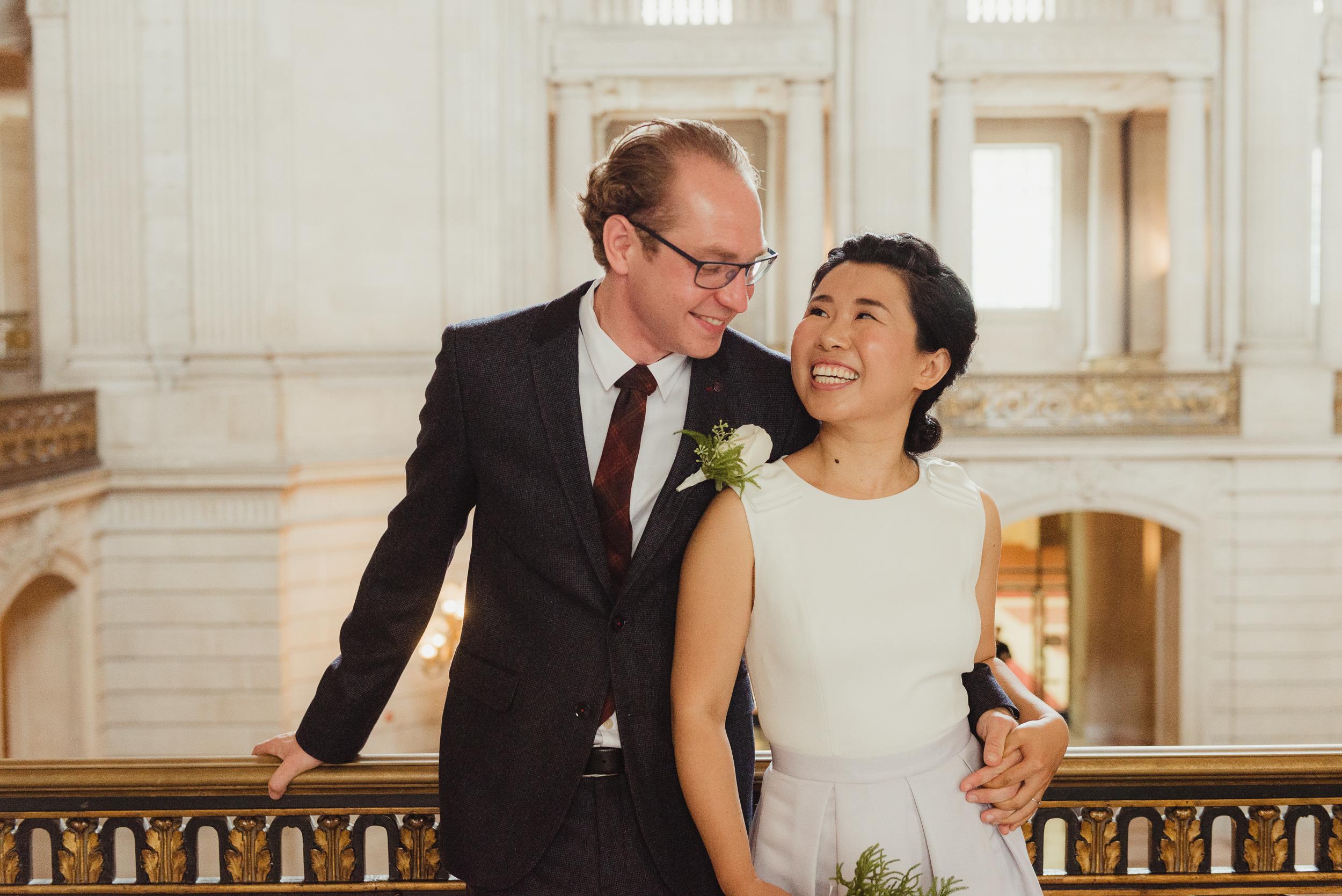 19-sf-city-hall-18-reasons-intimate-wedding-vivianchen-220.jpg