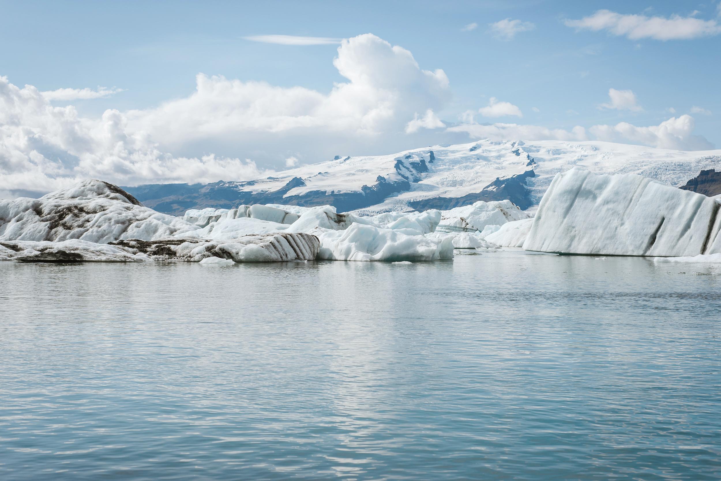 destination-wedding-iceland-engagement-session-vivianchen-006.jpg