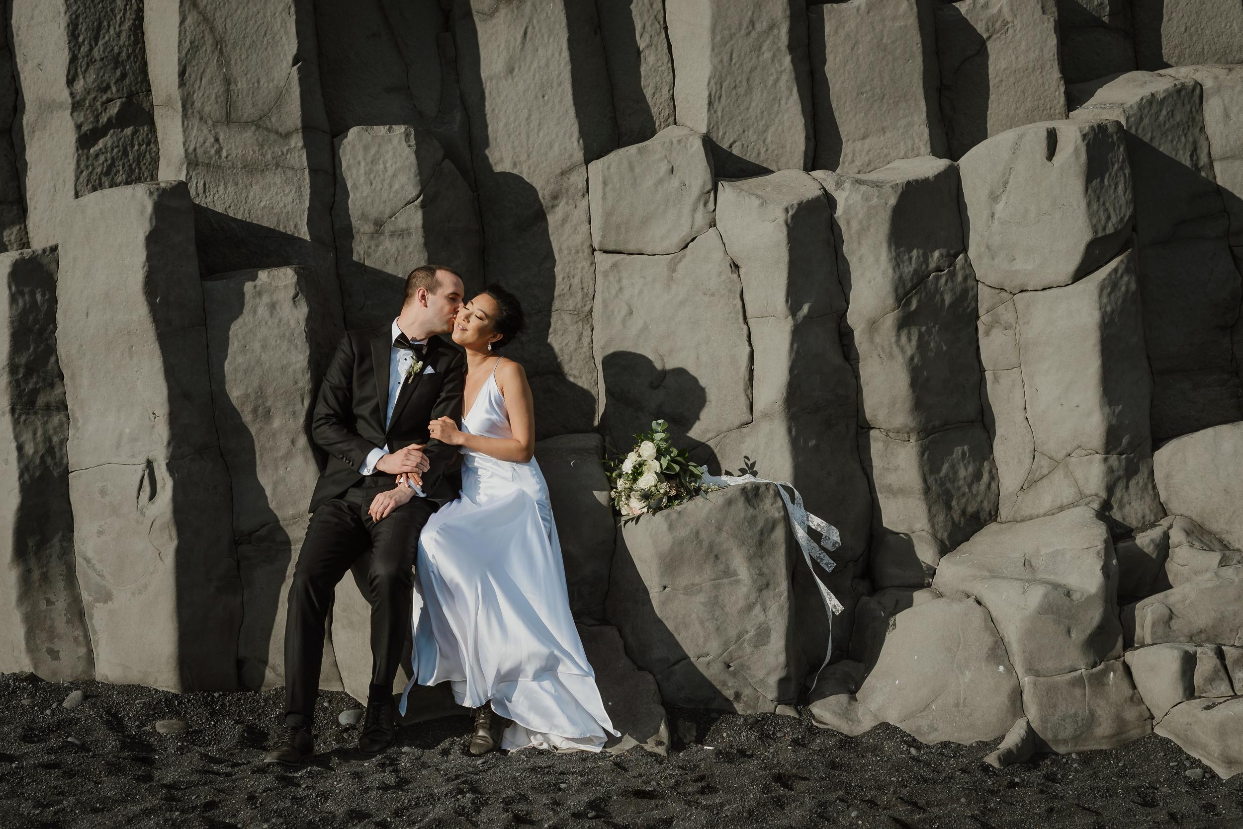 destination-wedding-iceland-engagement-session-vivianchen-173.jpg