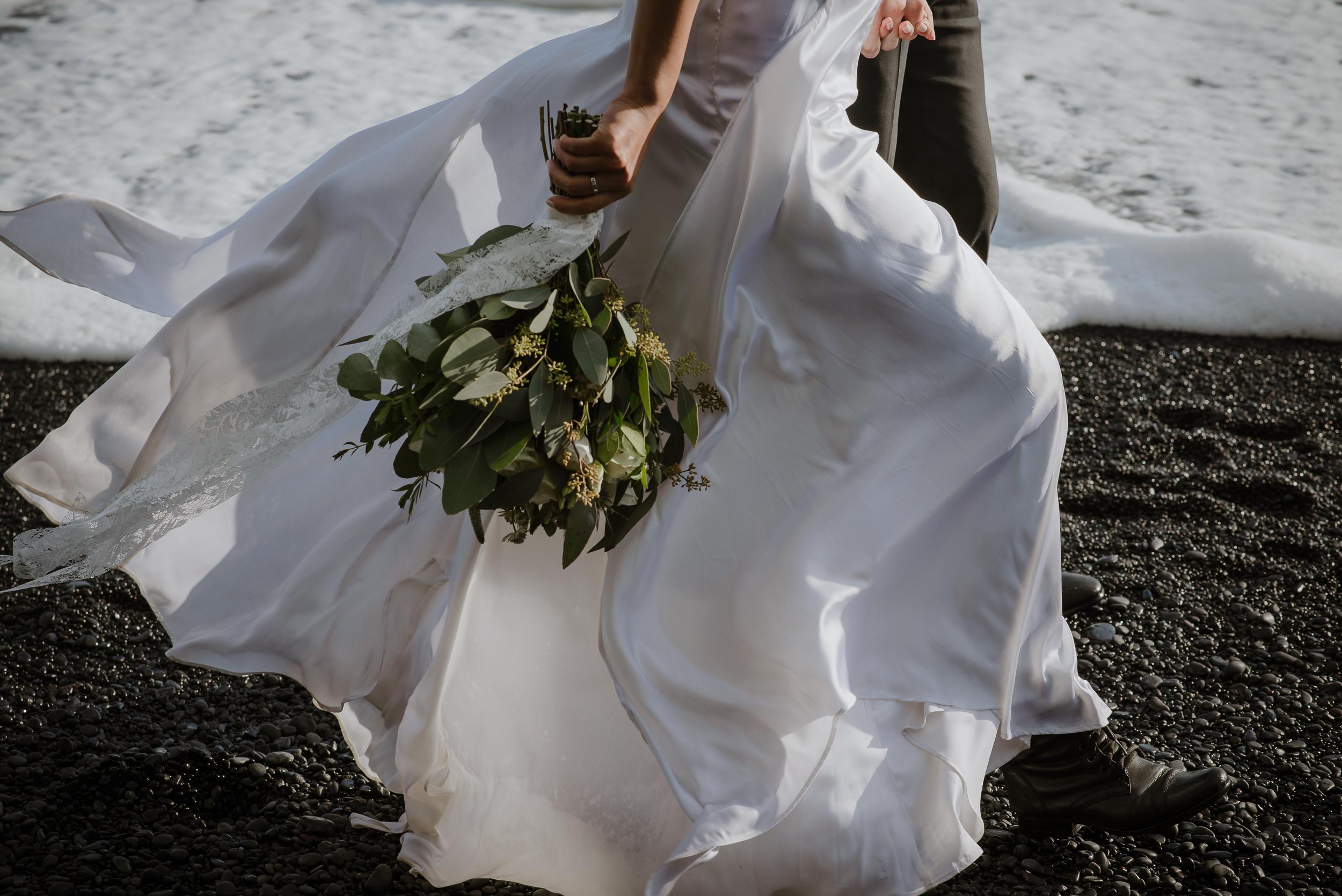 destination-wedding-iceland-engagement-session-vivianchen-217.jpg