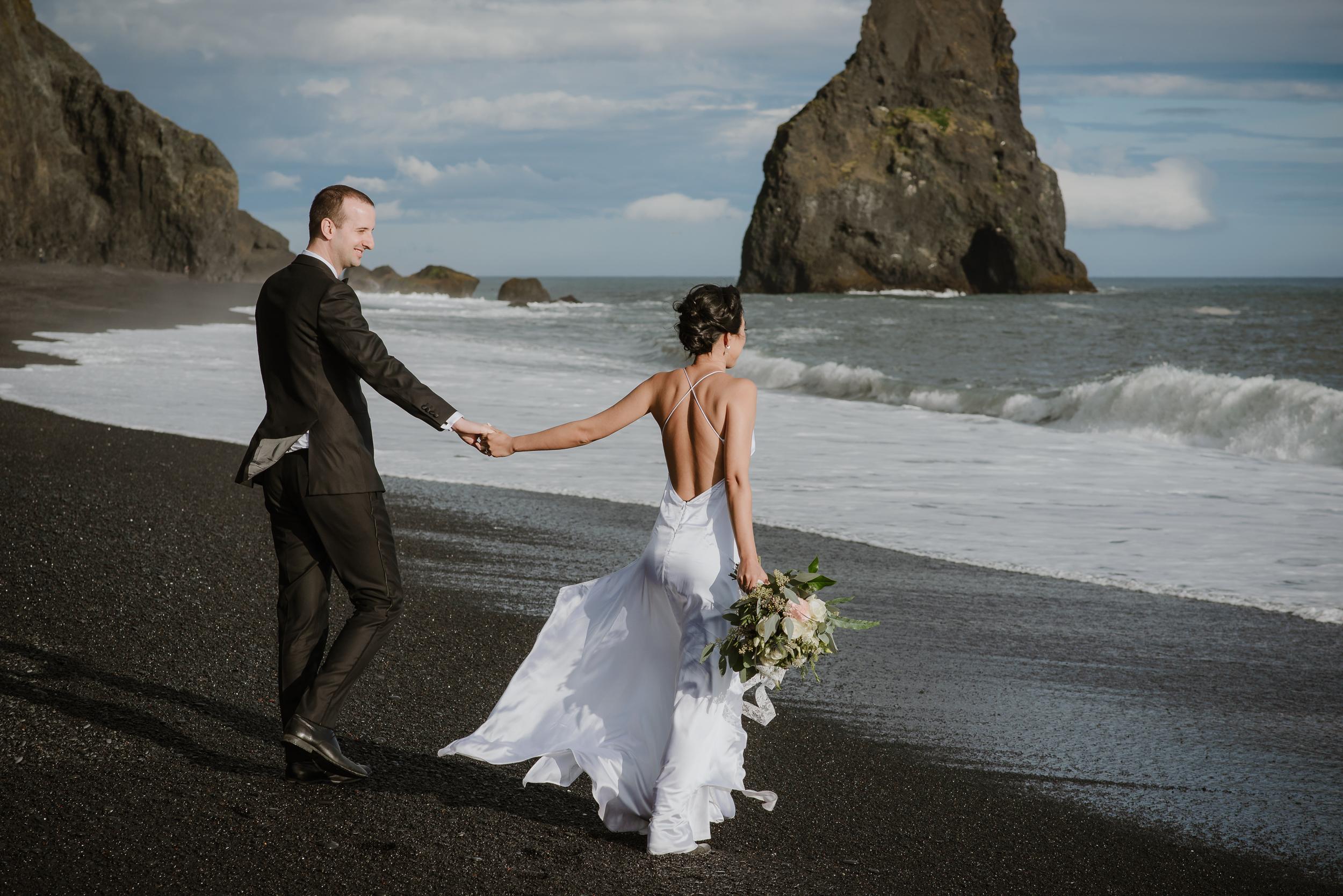 destination-wedding-iceland-engagement-session-vivianchen-182.jpg