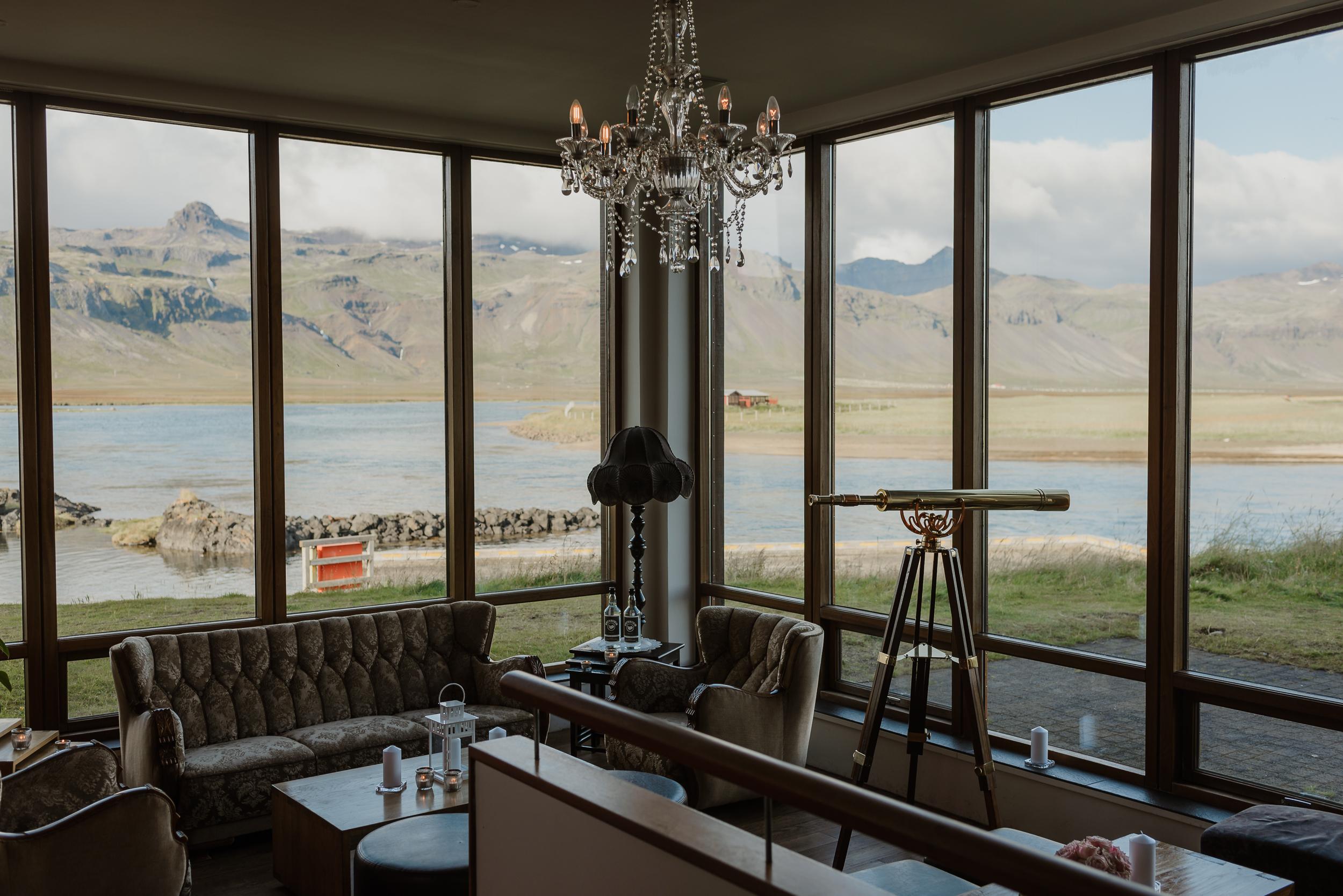 002-hotel-budir-iceland-destination-wedding-vivianchen-079.jpg