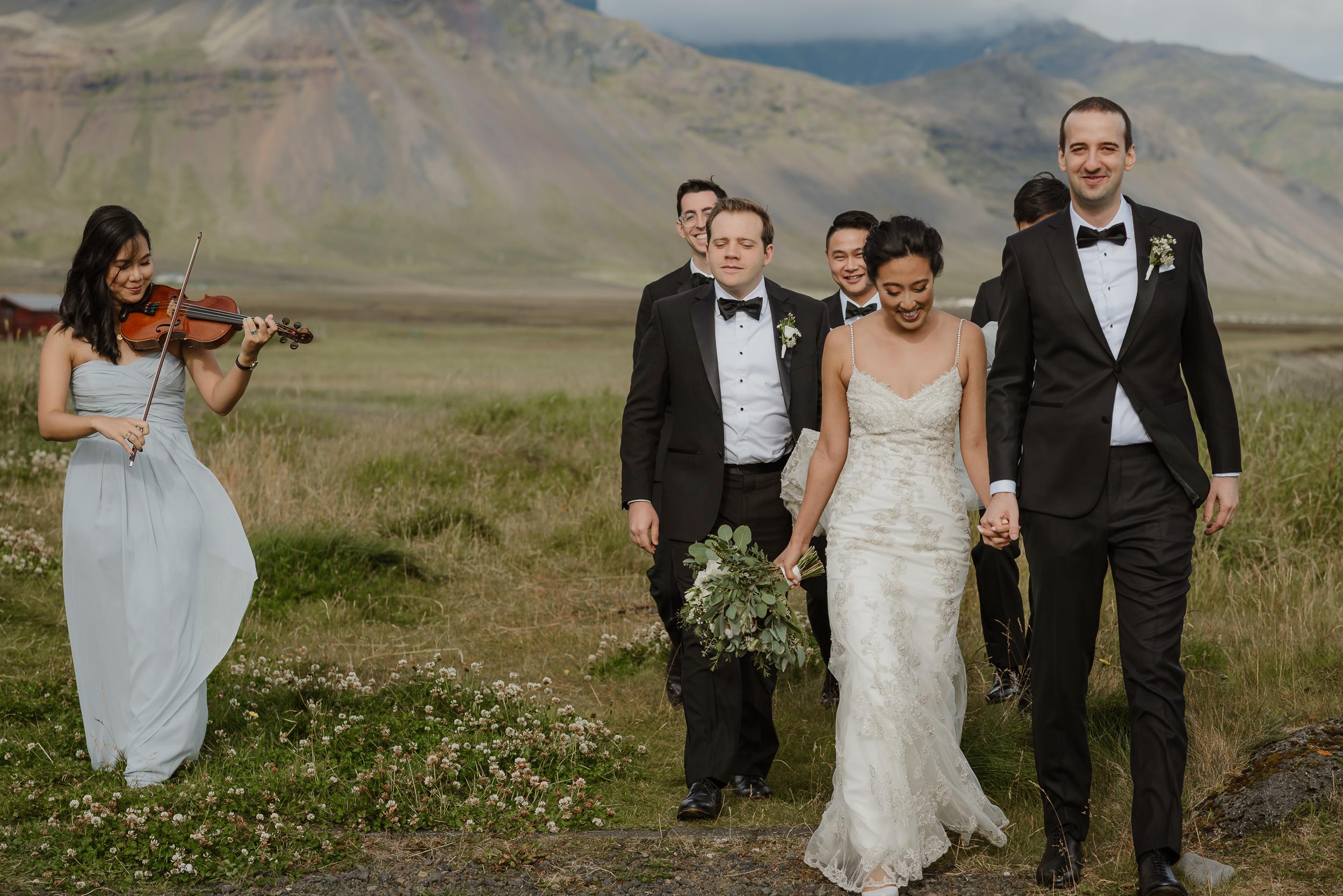 054-hotel-budir-iceland-destination-wedding-vivianchen-470.jpg