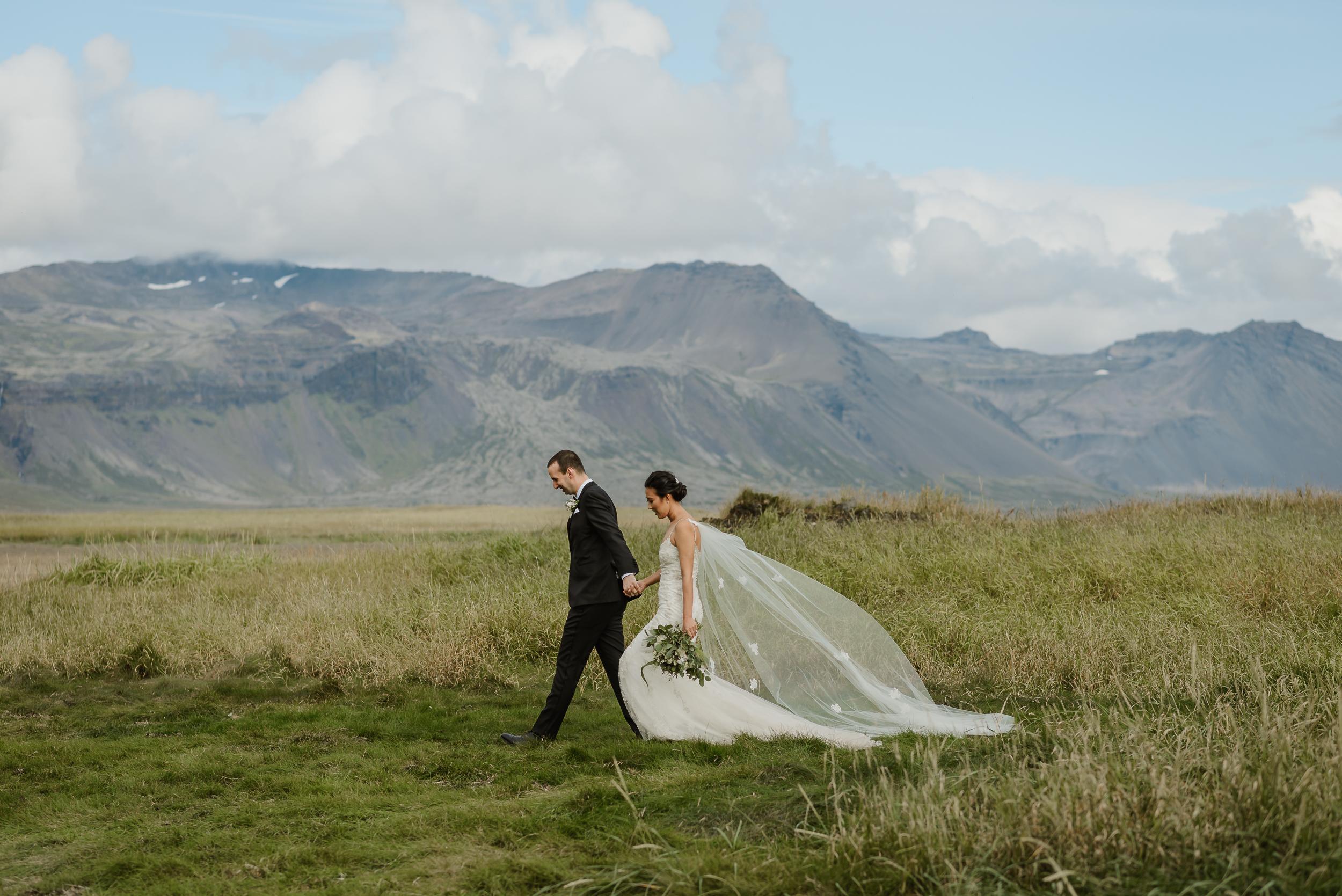 084-hotel-budir-iceland-destination-wedding-vivianchen-348.jpg