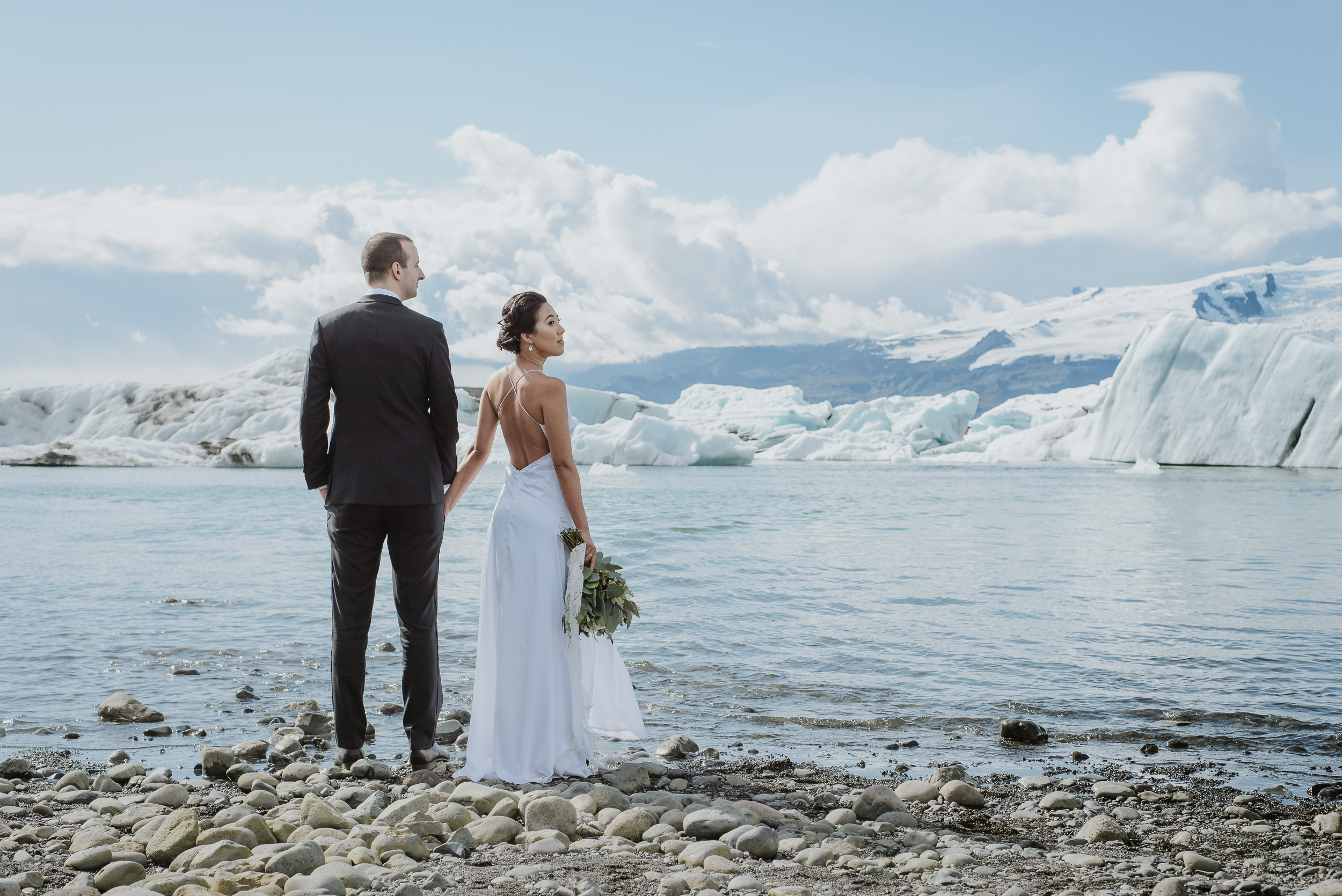 03-destination-wedding-iceland-engagement-session-vivianchen-084.jpg