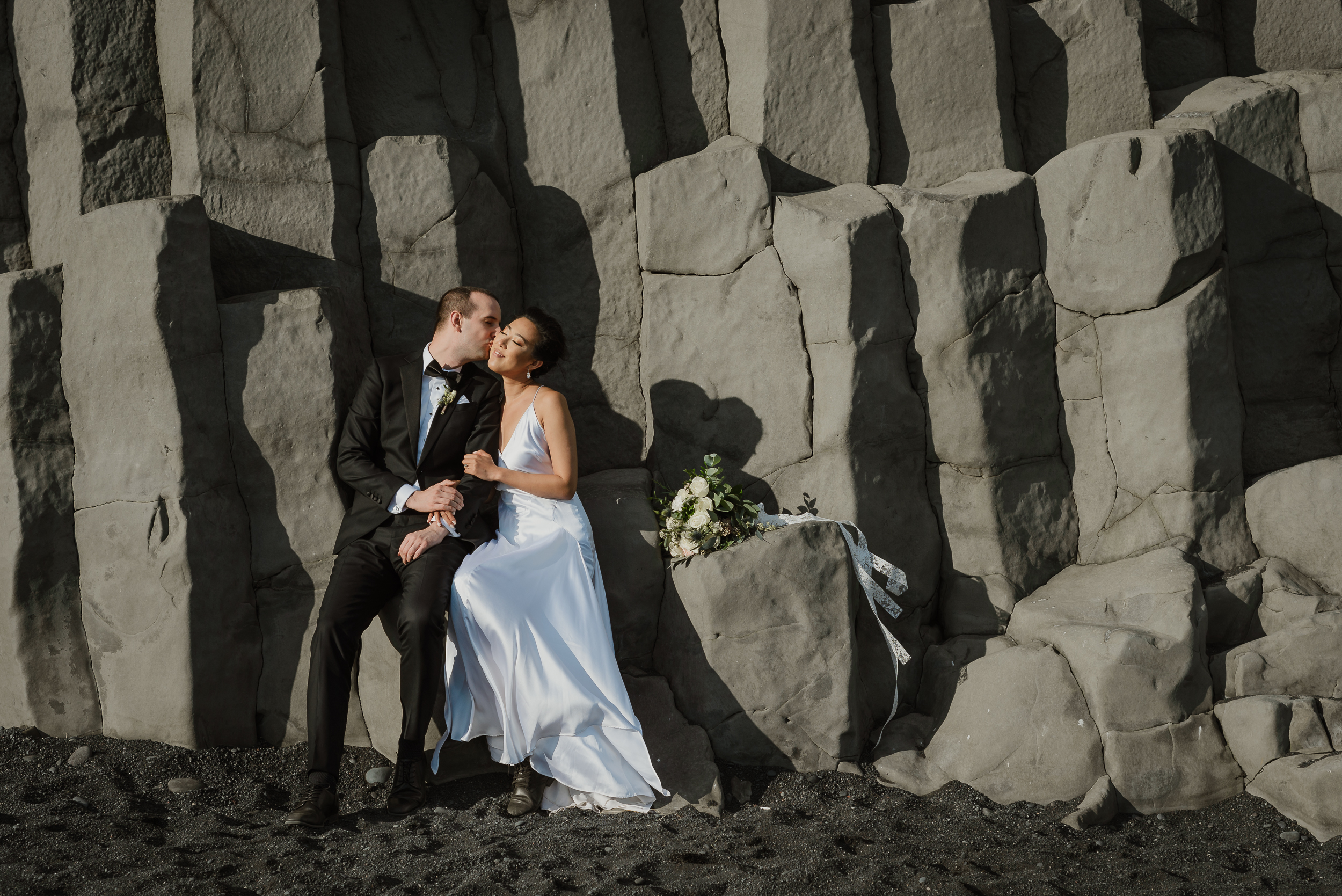 21-destination-wedding-iceland-engagement-session-vivianchen-173.jpg