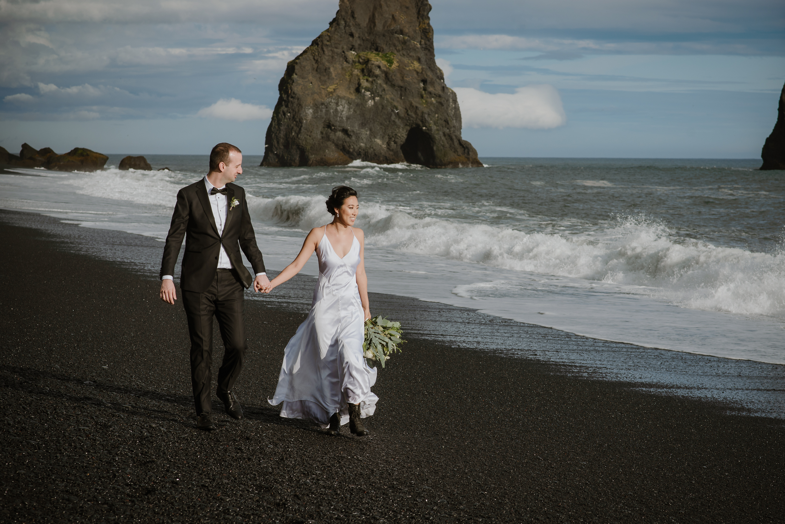 25-destination-wedding-iceland-engagement-session-vivianchen-191.jpg
