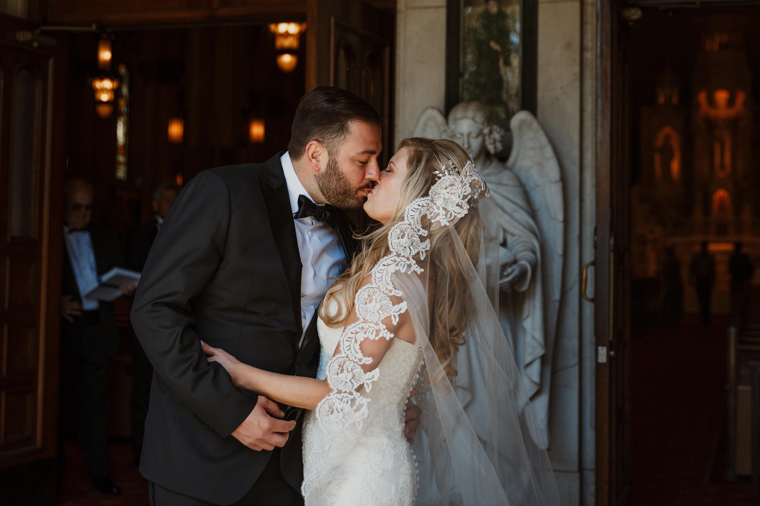 04-traditional-san-francisco-presidio-golden-gate-club-wedding-vivianchen-083.jpg