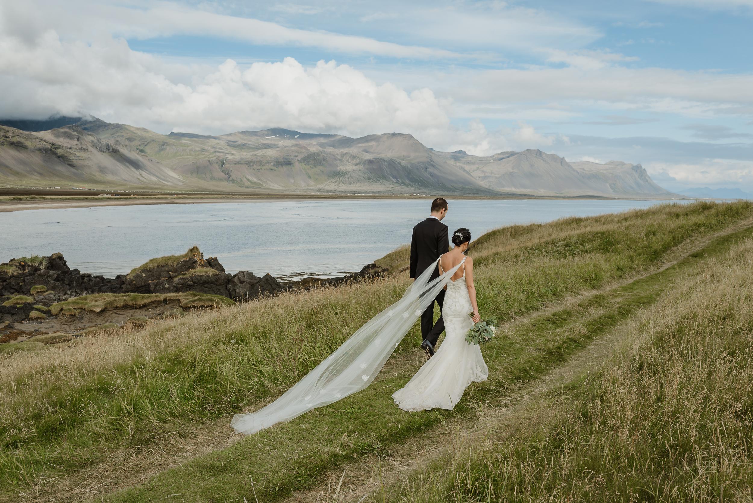 056-hotel-budir-iceland-destination-wedding-vivianchen-393.jpg