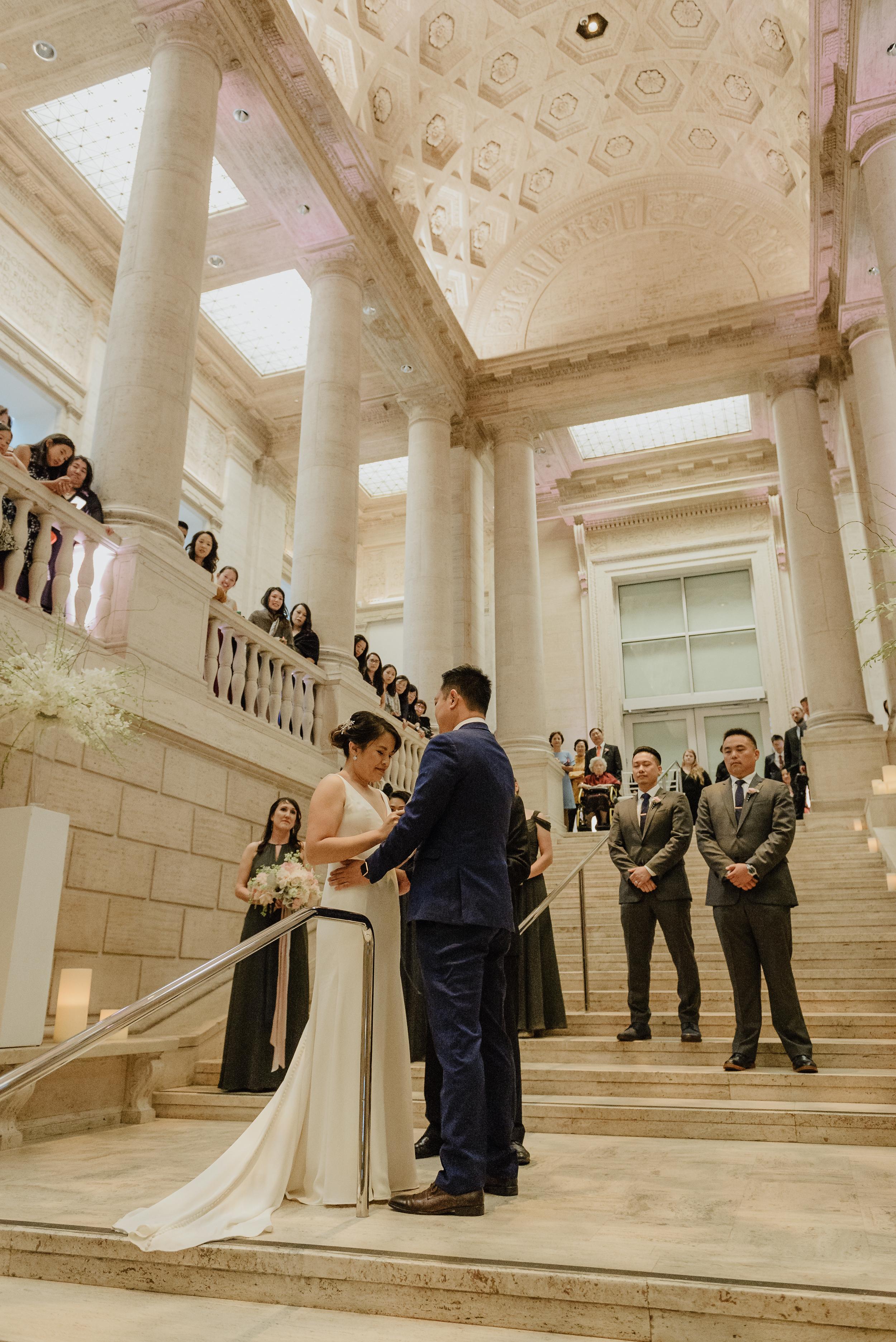 58-san-francisco-asian-art-museum-wedding-vivianchen-461.jpg