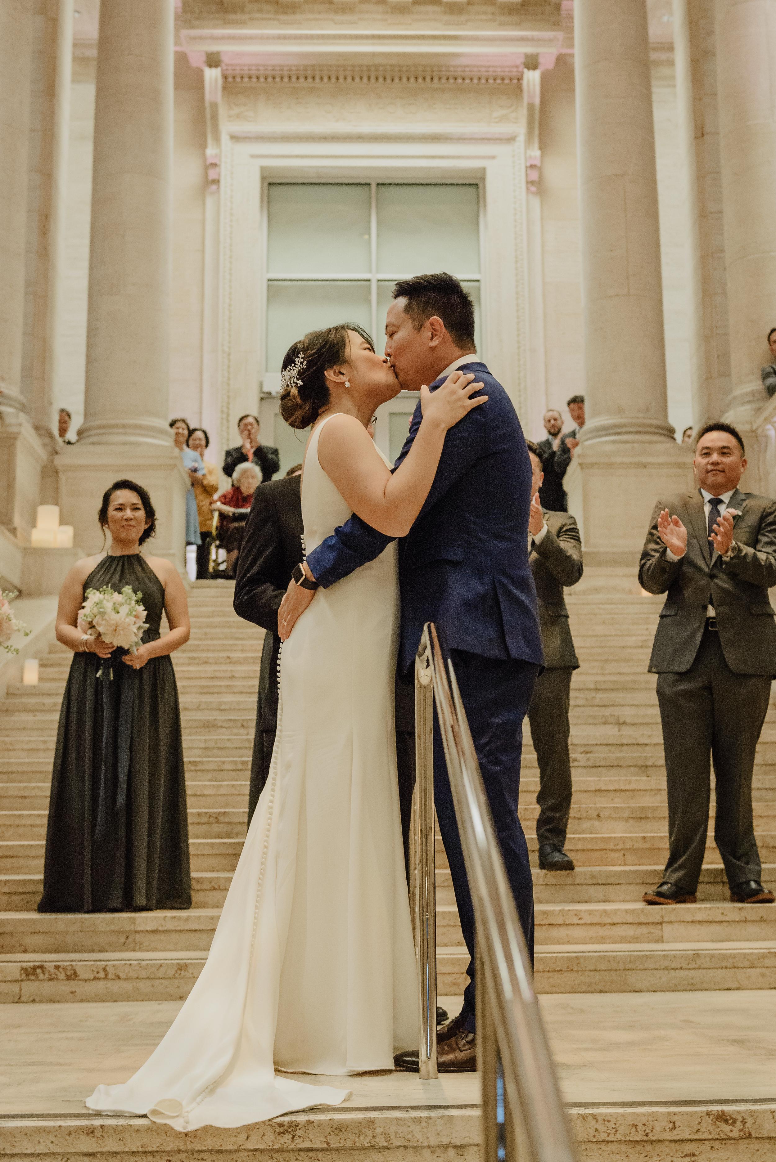 60-san-francisco-asian-art-museum-wedding-vivianchen-486.jpg