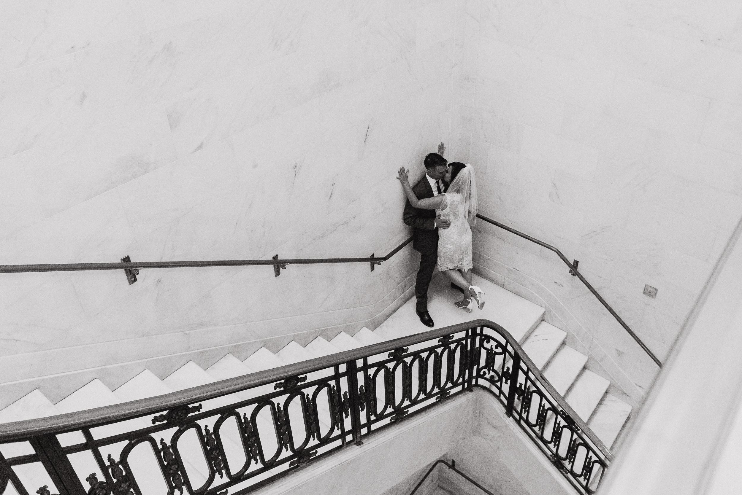 29-simple-san-francisco-city-hall-elopement-vivianchen-140.jpg