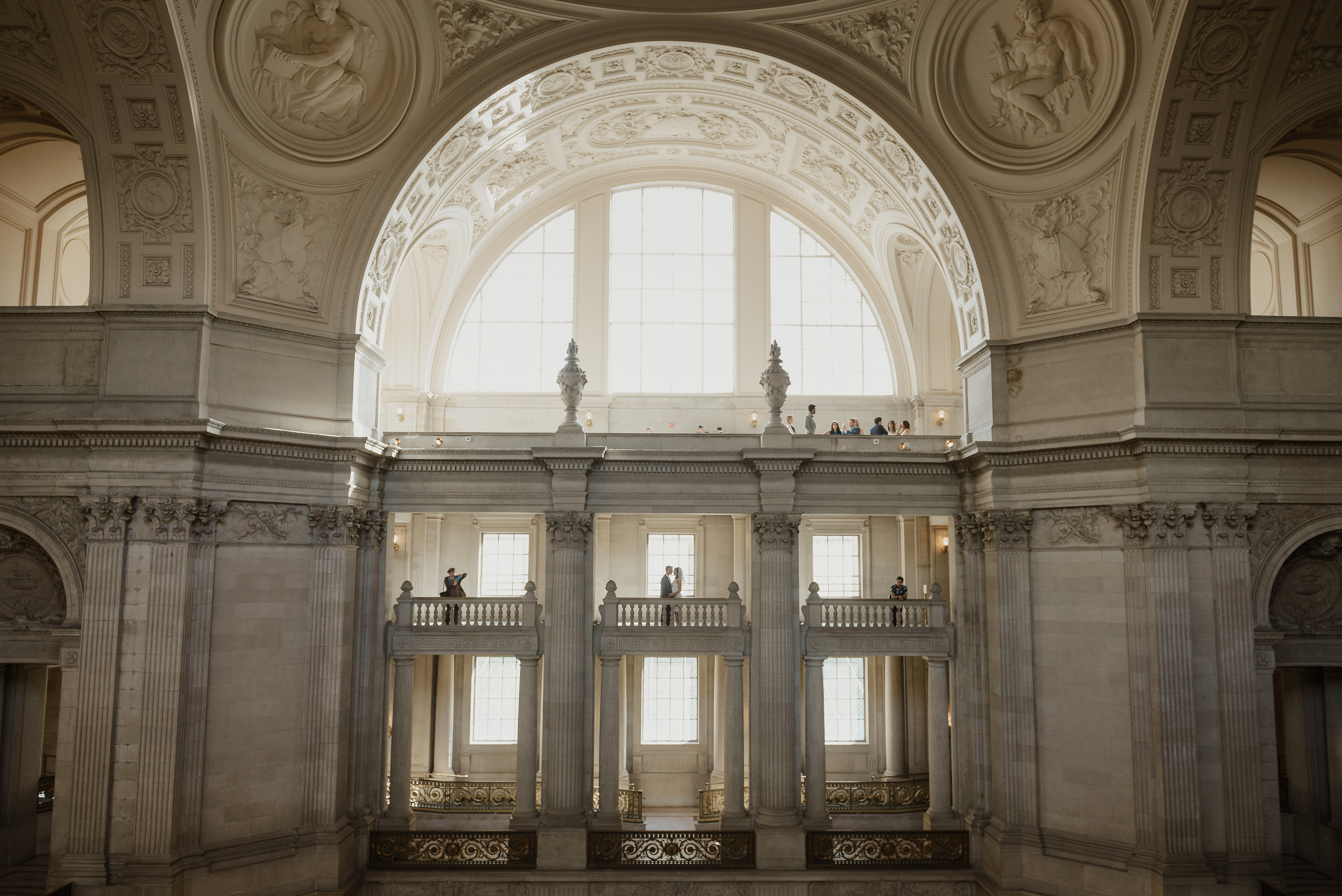 38-simple-san-francisco-city-hall-elopement-vivianchen-207.jpg