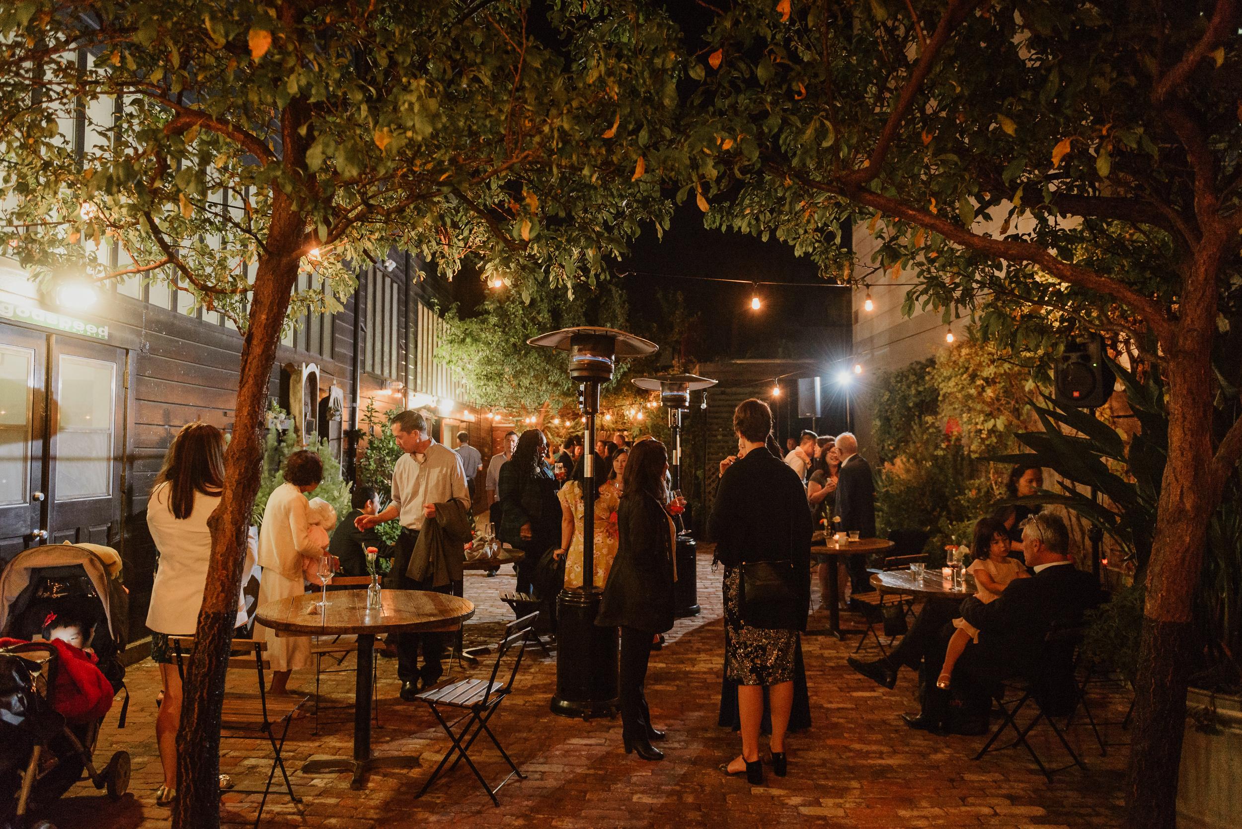 077-77-san-francisco-city-hall-stable-cafe-wedding-vivianchen-494.jpg